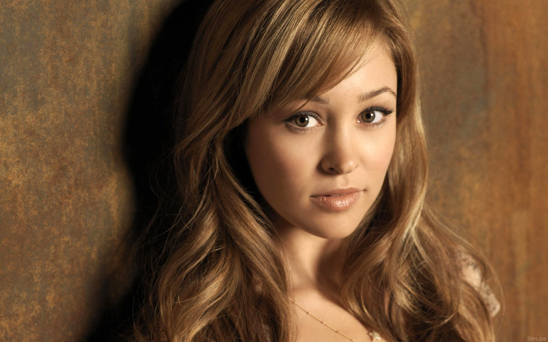 Autumn Reeser photos