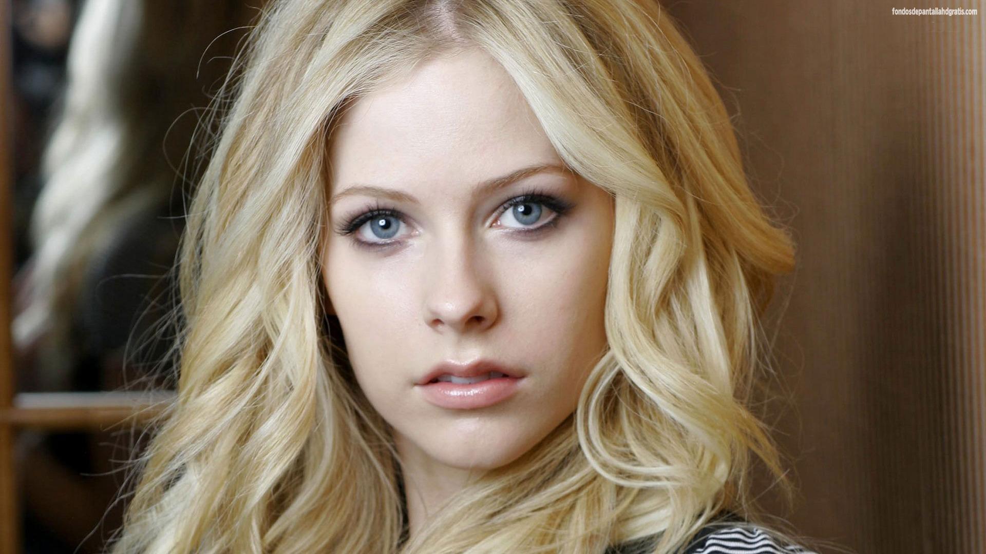 CuteSmile Avril Lavigne Image 06