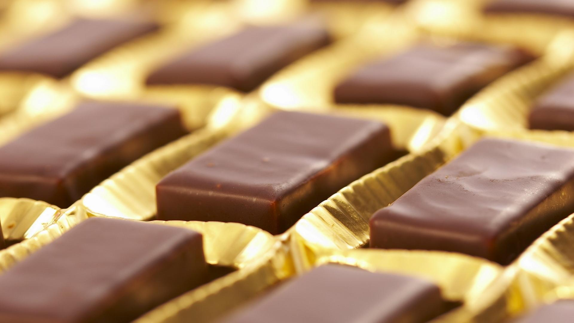 Awesome Chocolate Candy Wallpaper