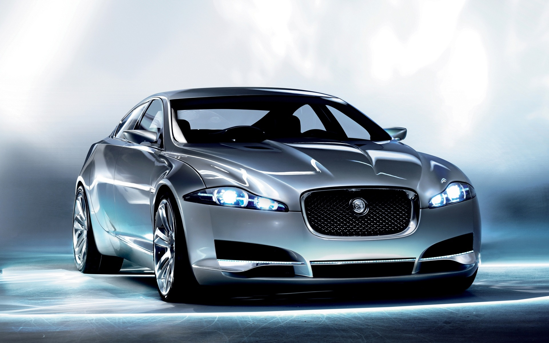 Awesome Jaguar XKR Wallpaper