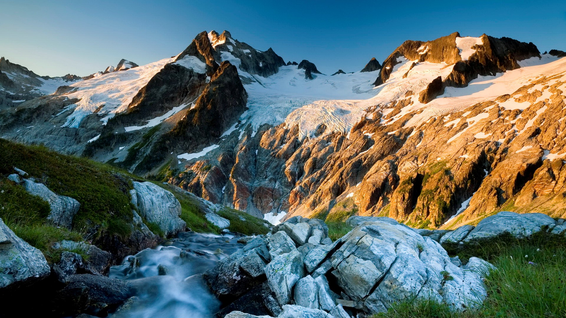 3697 Views 1958 Download Awesome Landscape Mountain Wallpaper