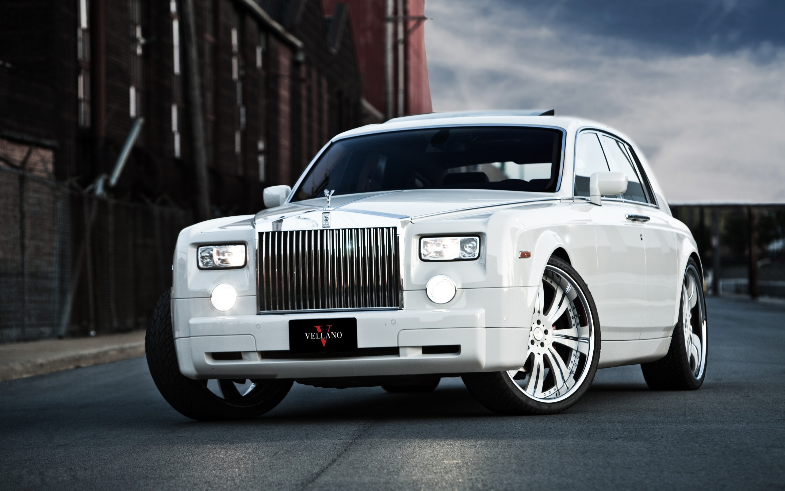 Slender Rolls Royce Phantom Custom Big Rims White Hd Wallpaper