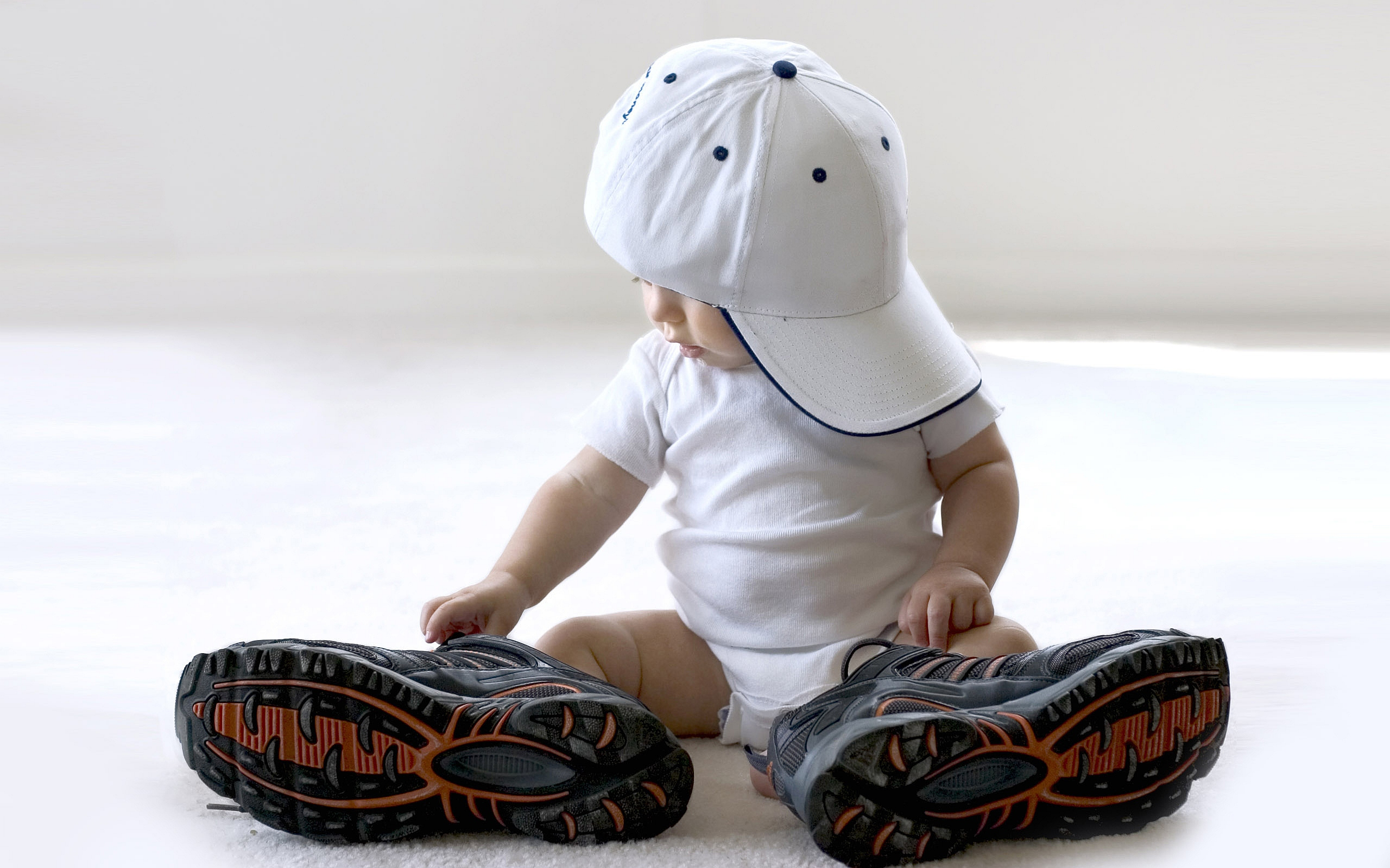 Baby with big Shoes
