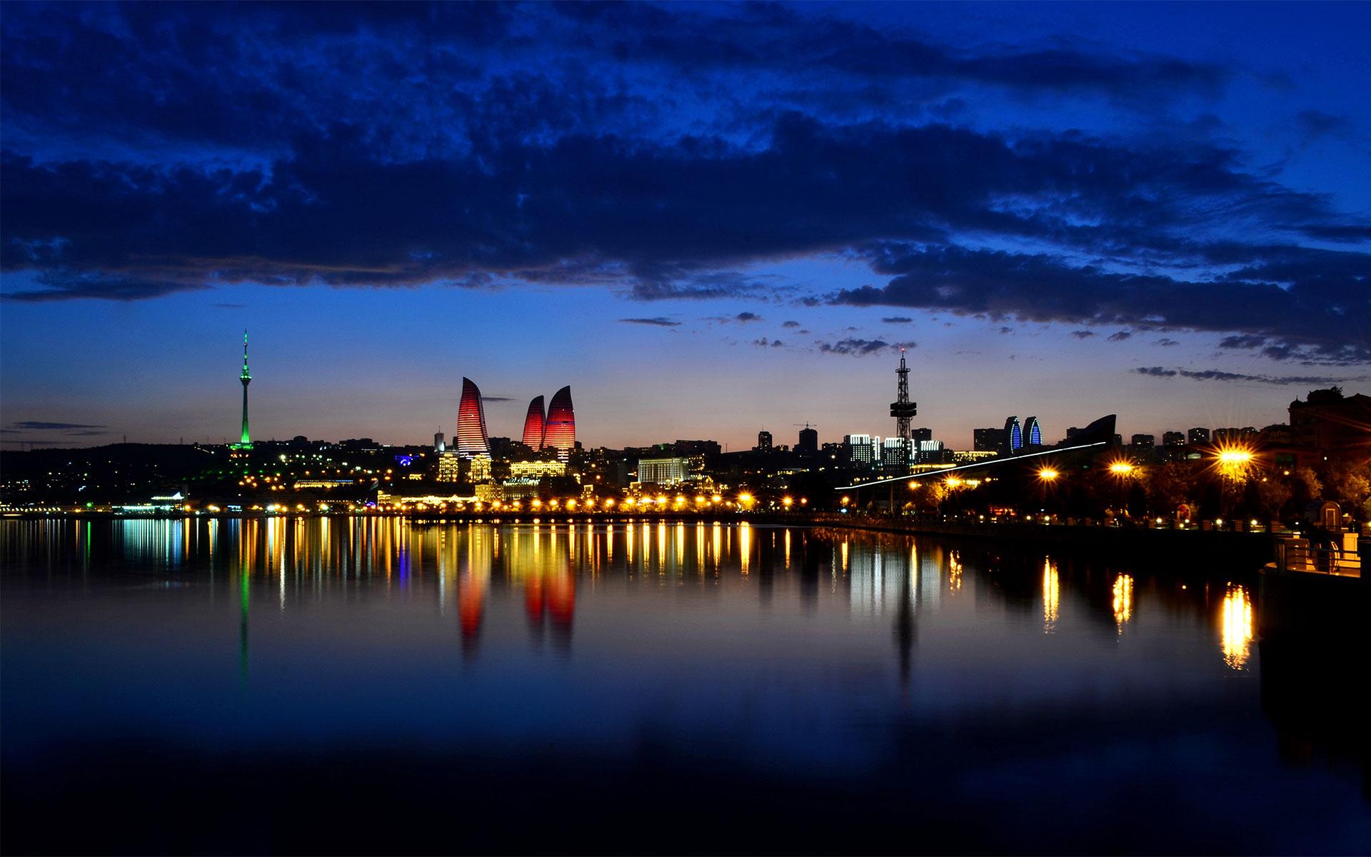 Baku at Night - HD Wallpapers