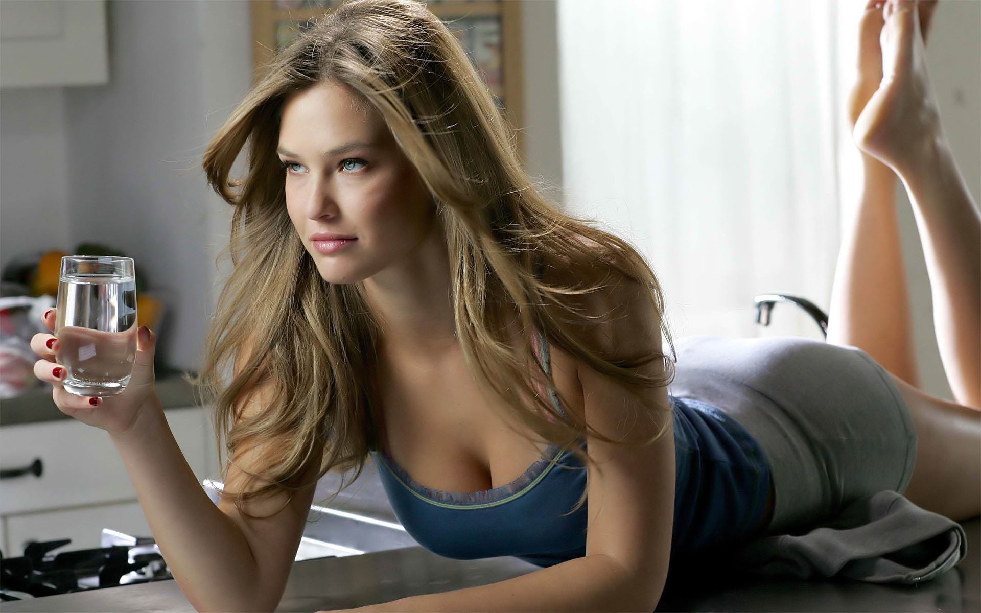 Bar Refaeli hd desktop
