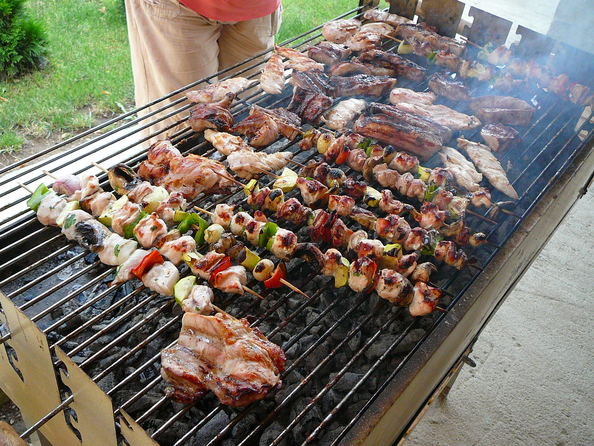 File:Bulgarian barbecue E1.jpg