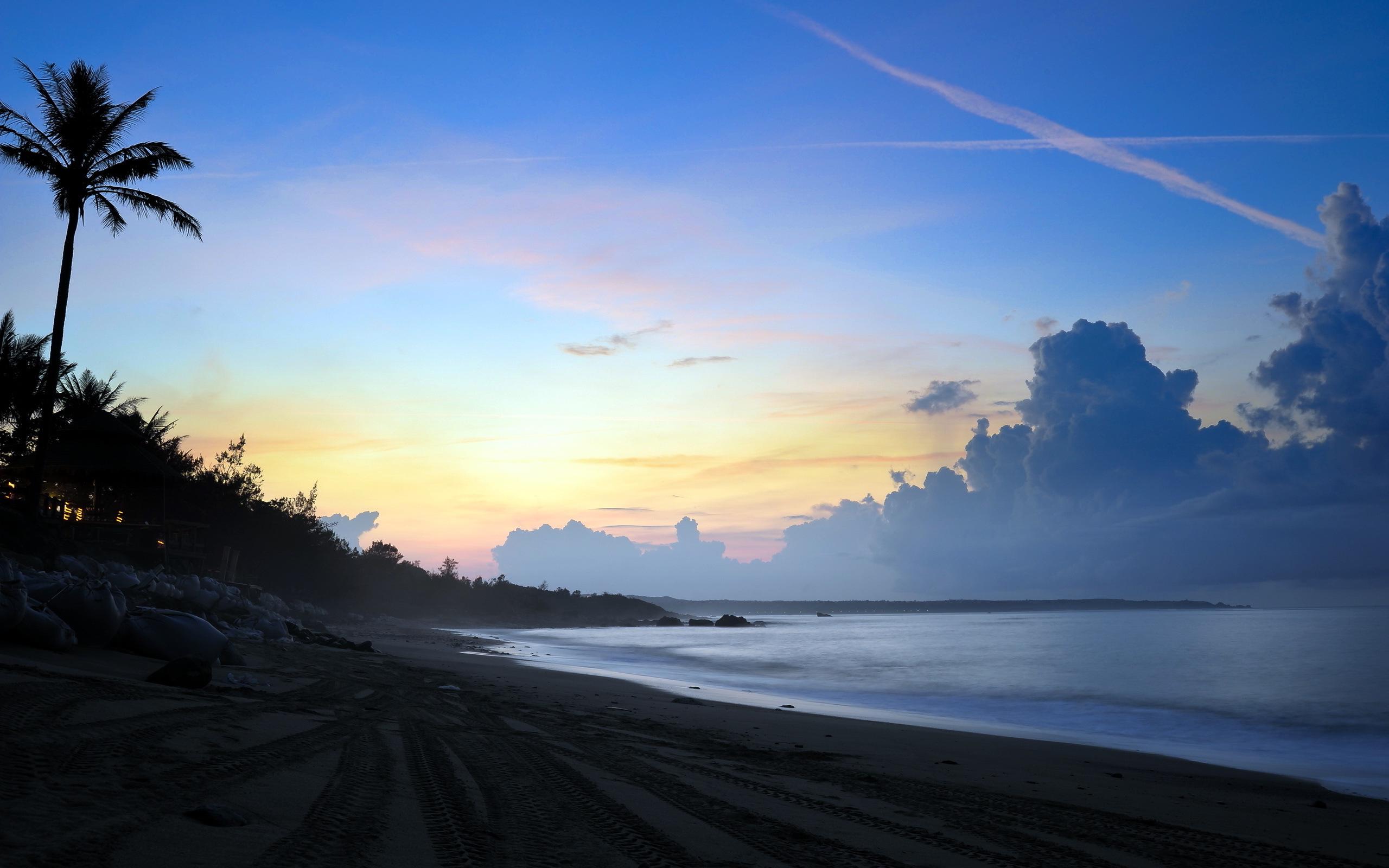 Beach evening sun