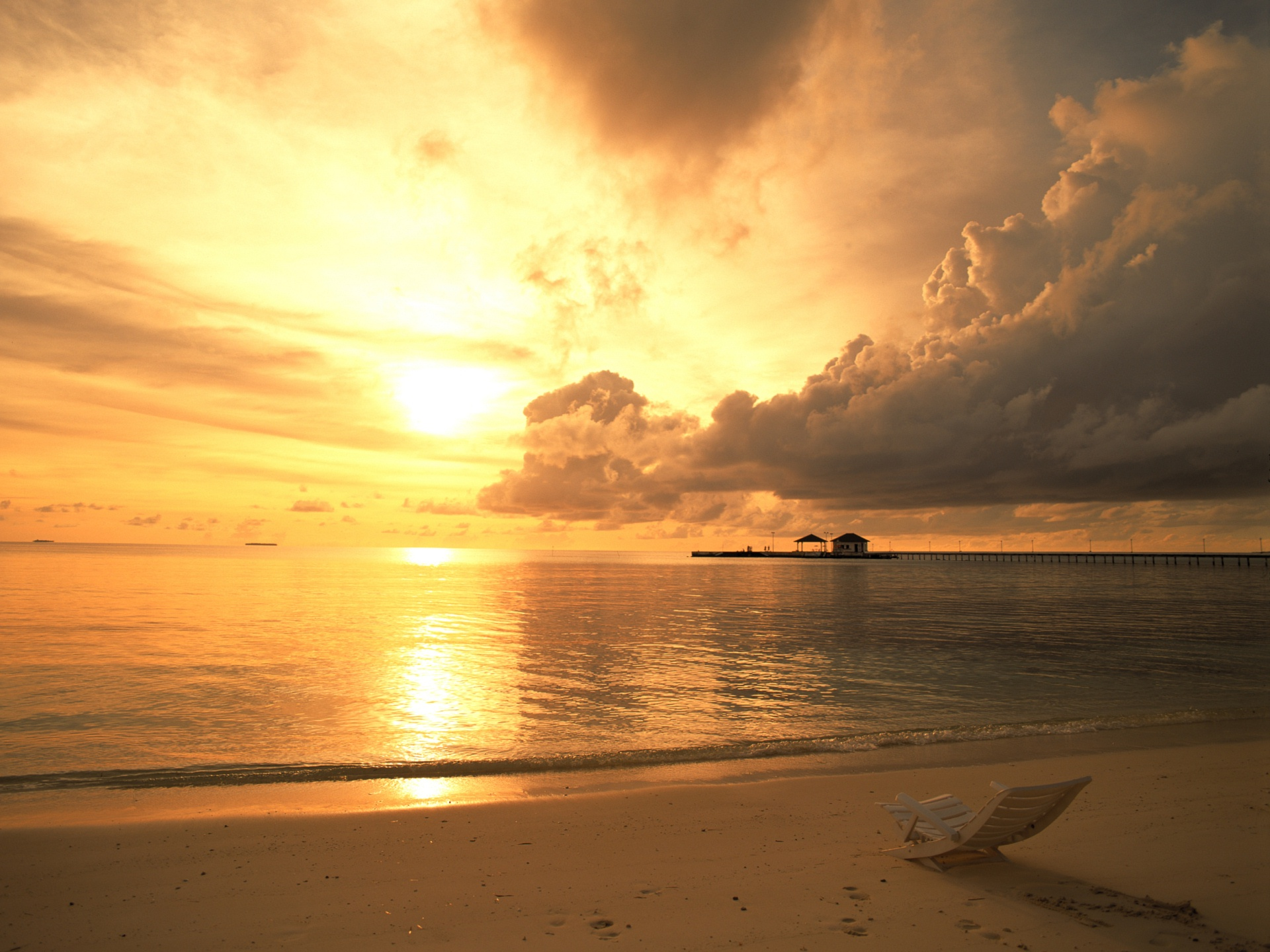 Empty Sea Beach at Sunset (click to view)
