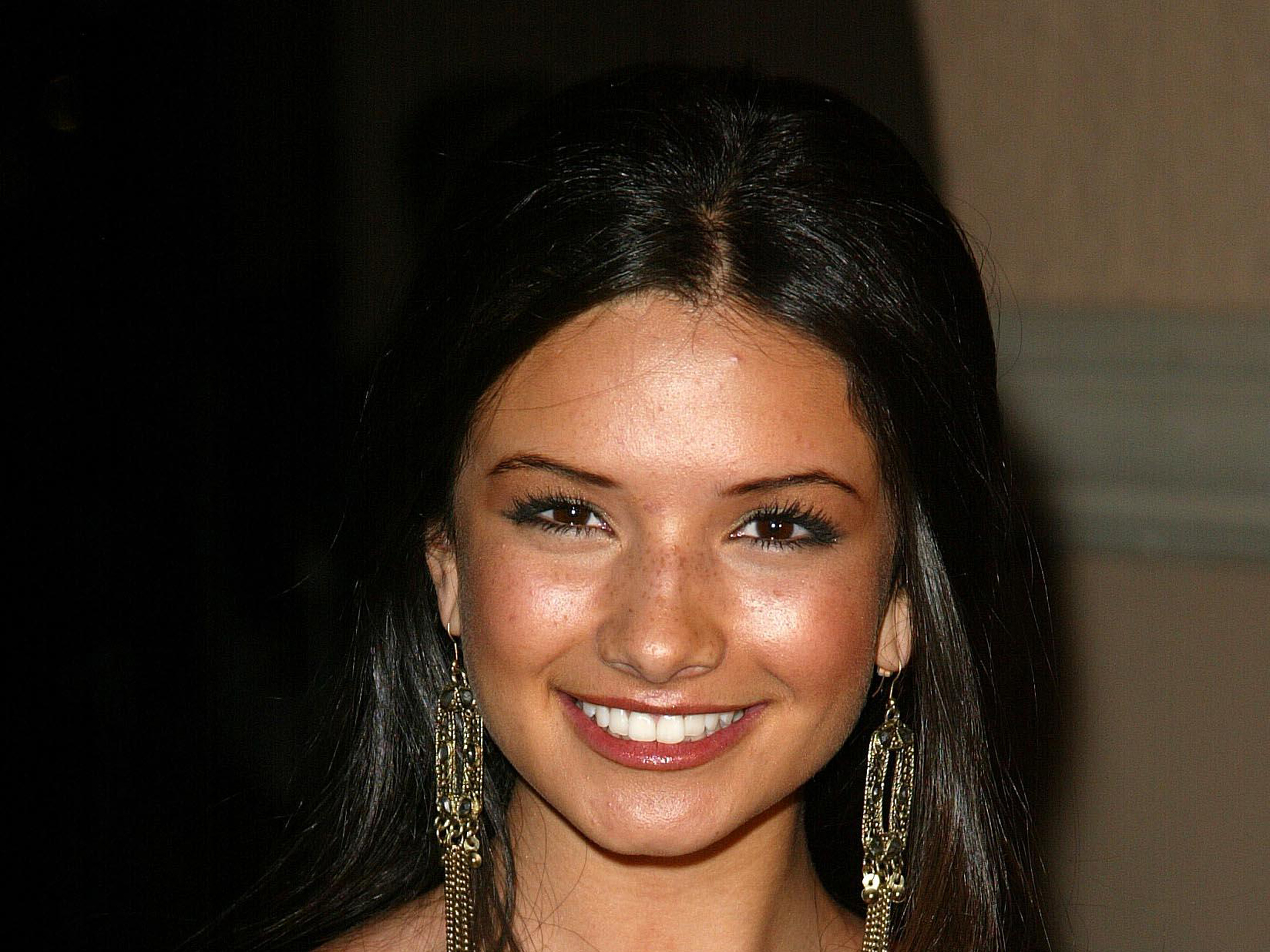 Alice Greczyn Wallpaper