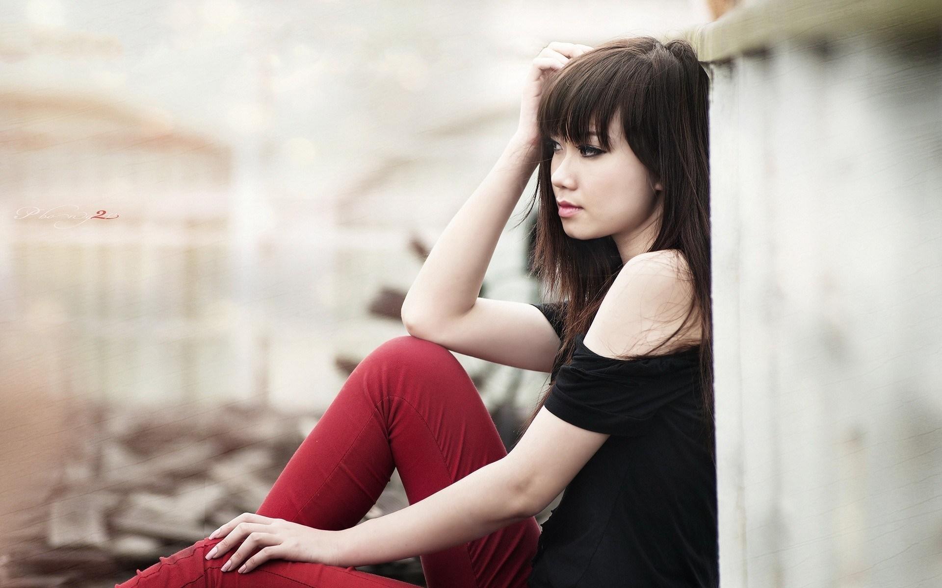 Beautiful Asian Girl Mood Photo