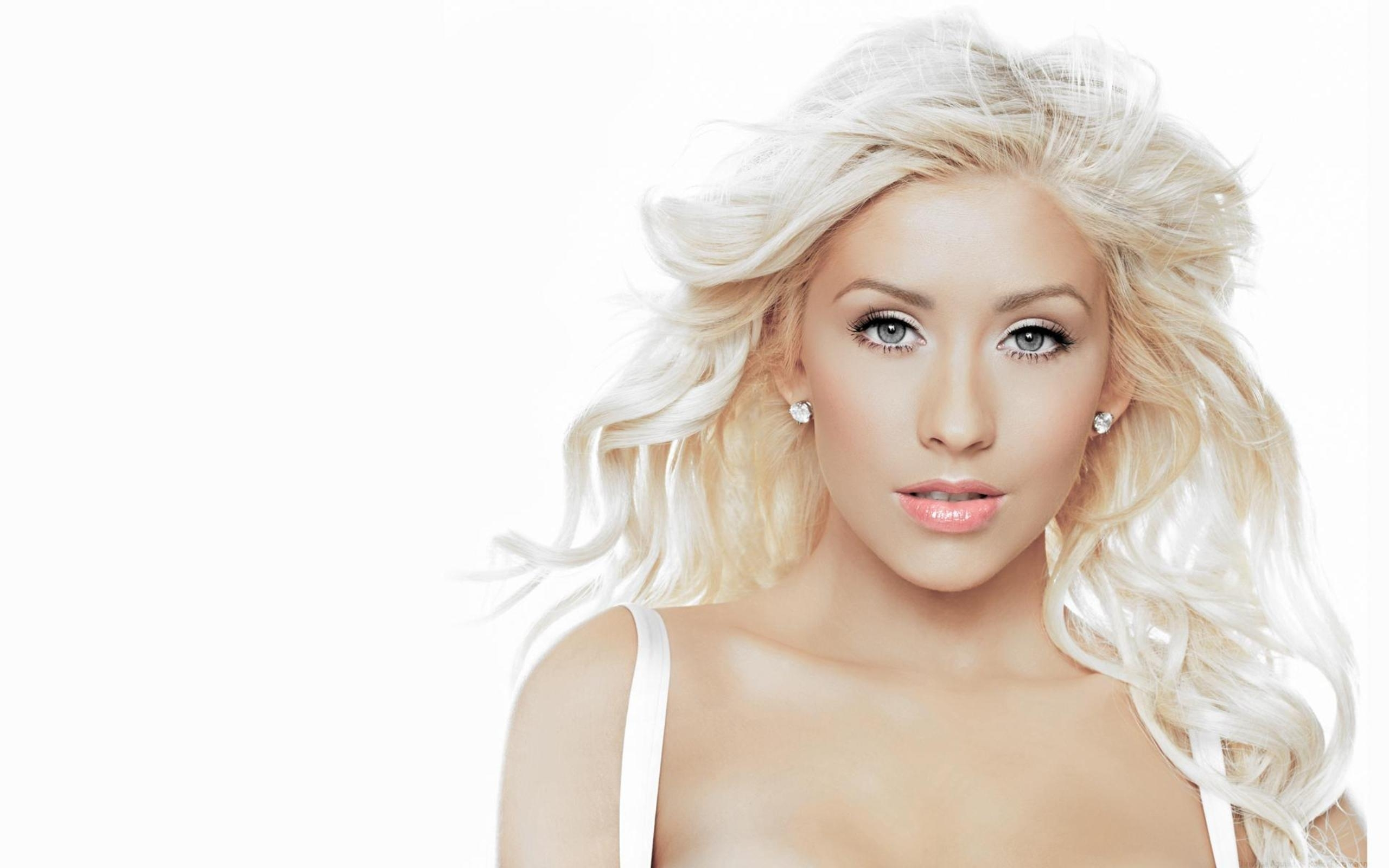 2560x1600 Wallpaper christina aguilera, face, white, hair, blonde, beautiful, lips