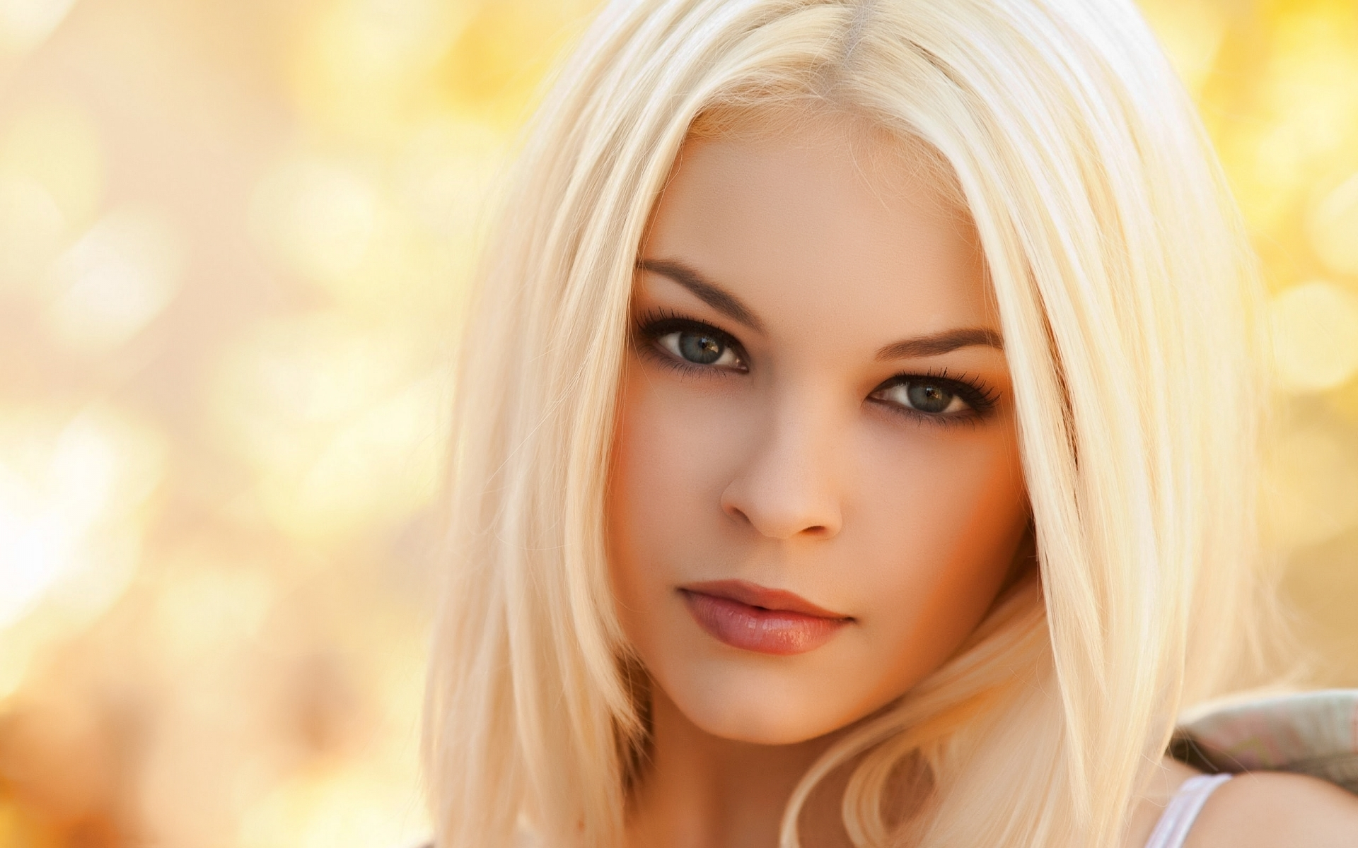 Beautiful Blonde Pictures