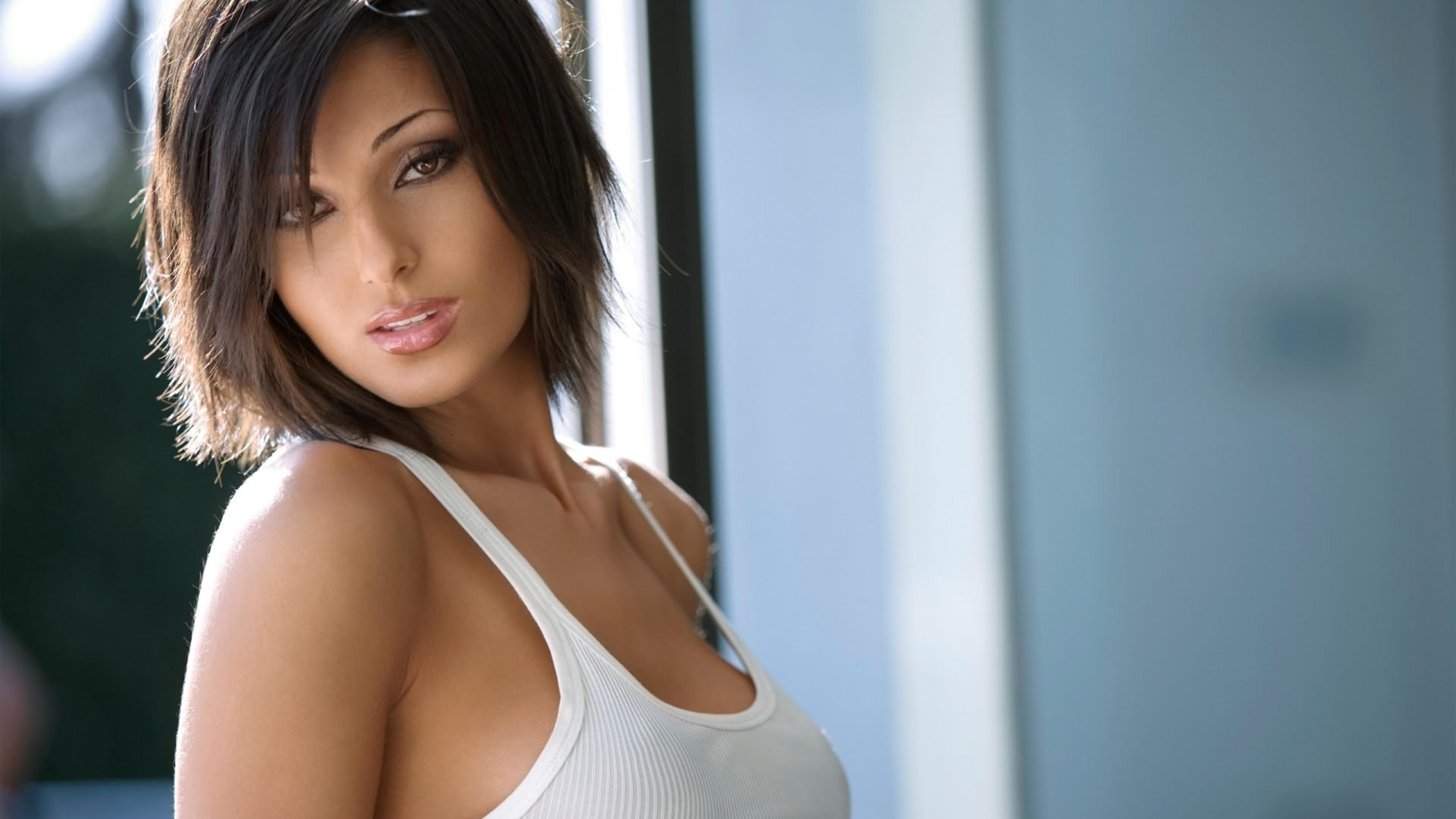 3840x2160 Wallpaper model, brunette, face, girl, beautiful