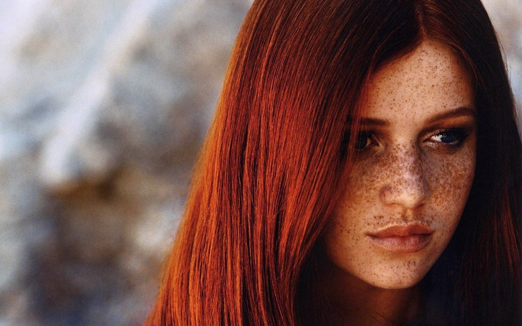 Beautiful Cintia Dicker Brazilian Model Photo