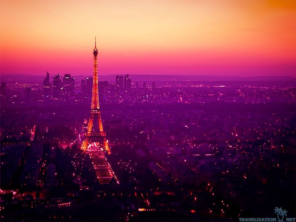 Beautiful Eiffel Tower Wallpaper 8277