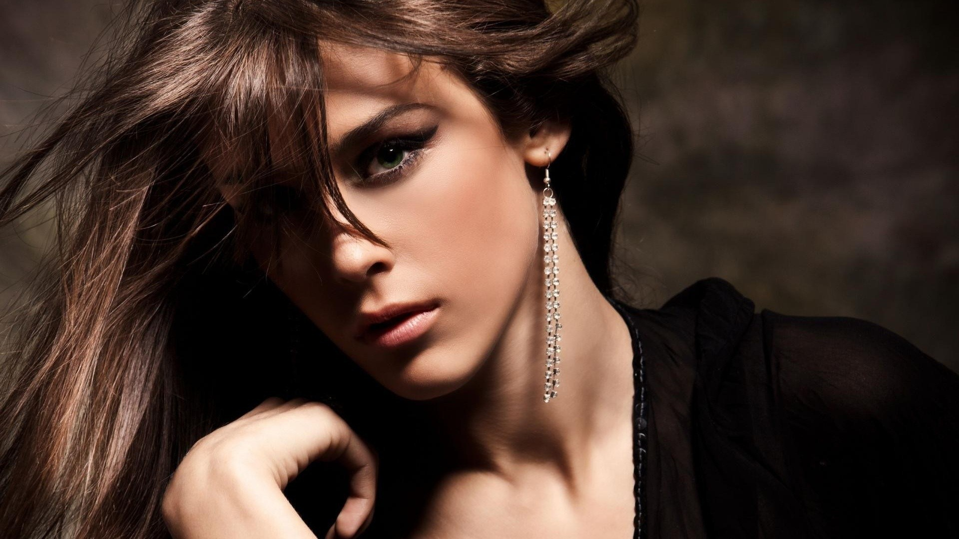Earrings Beautiful Woman Fashion HD Wallpaper