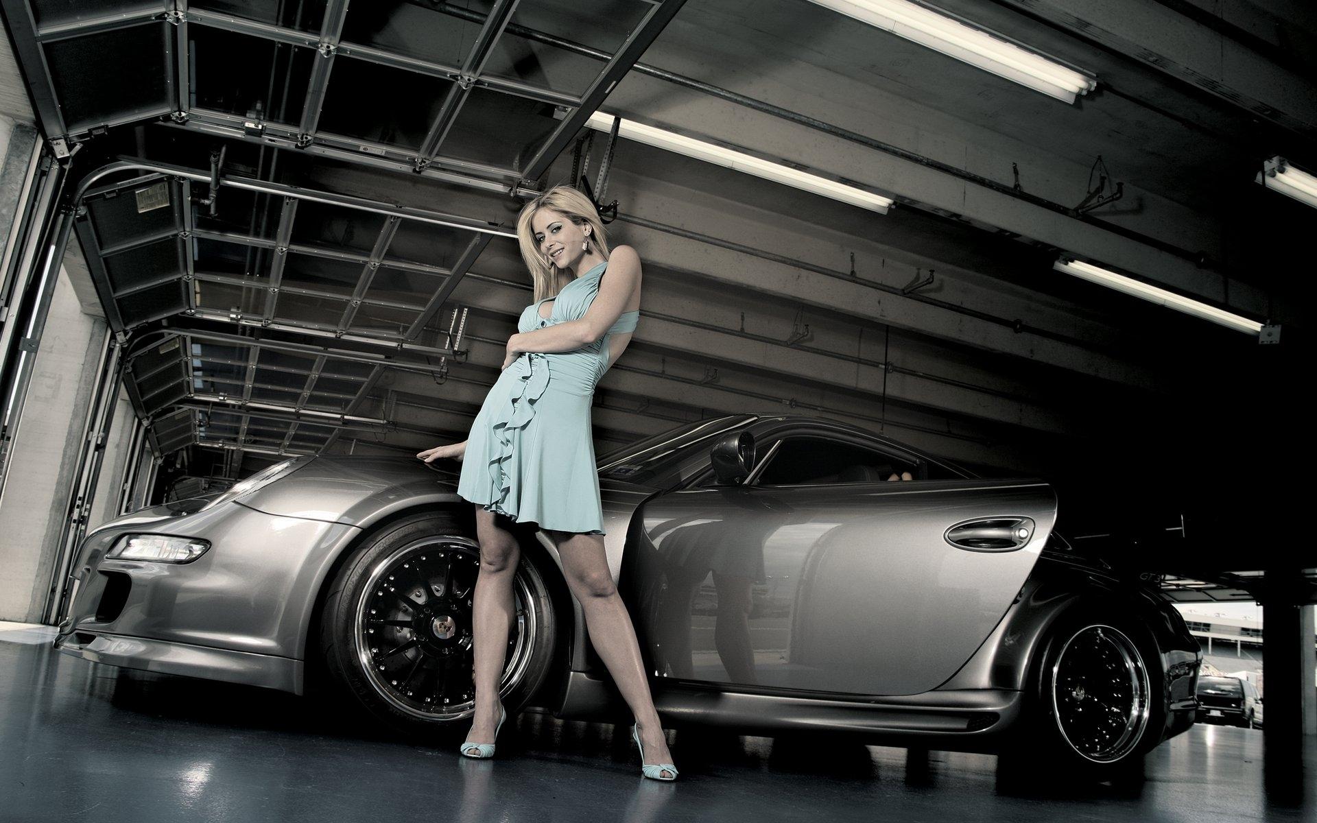 original wallpaper download: Beautiful girl and car - 1920x1200
