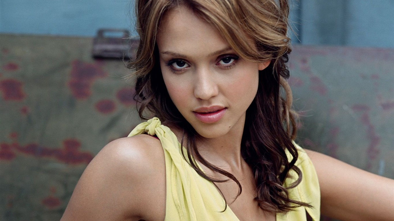 Beautiful Jessica Alba Wallpaper