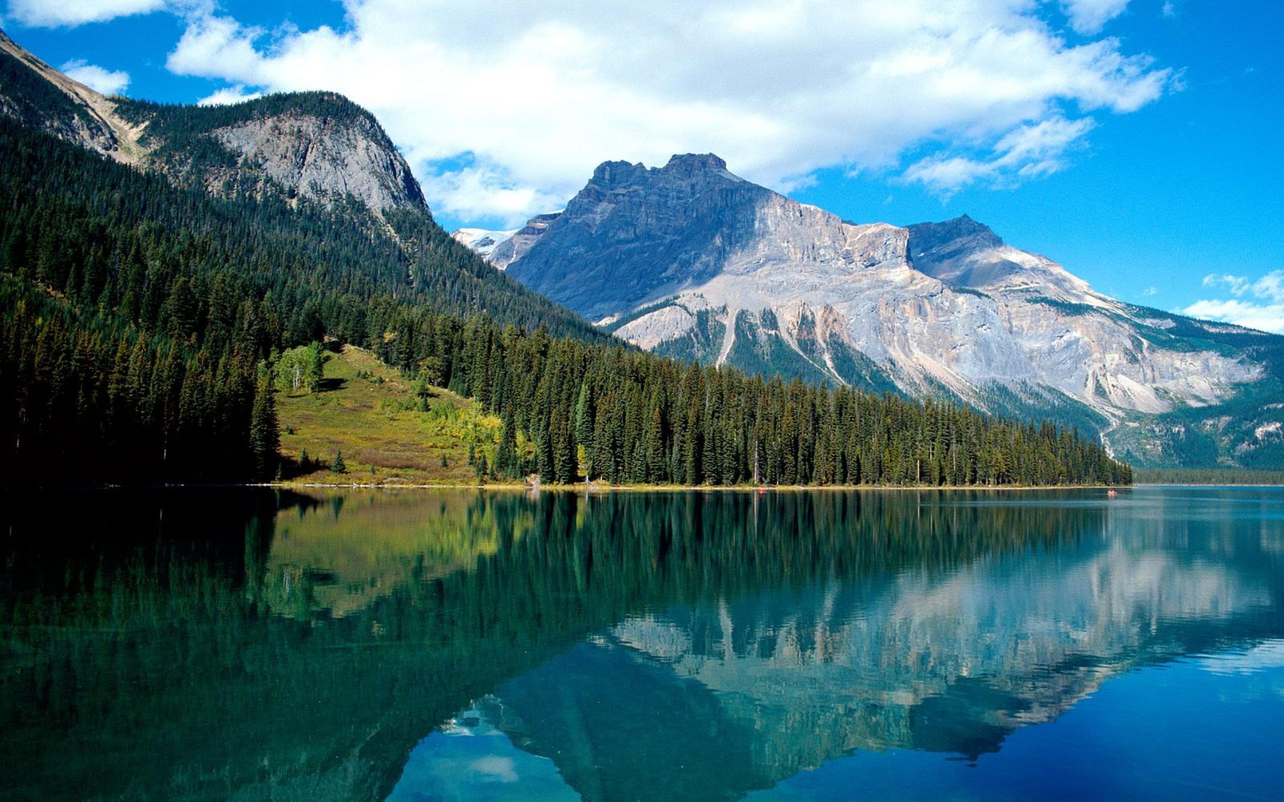 Beautiful Lake Louise Wallpaper
