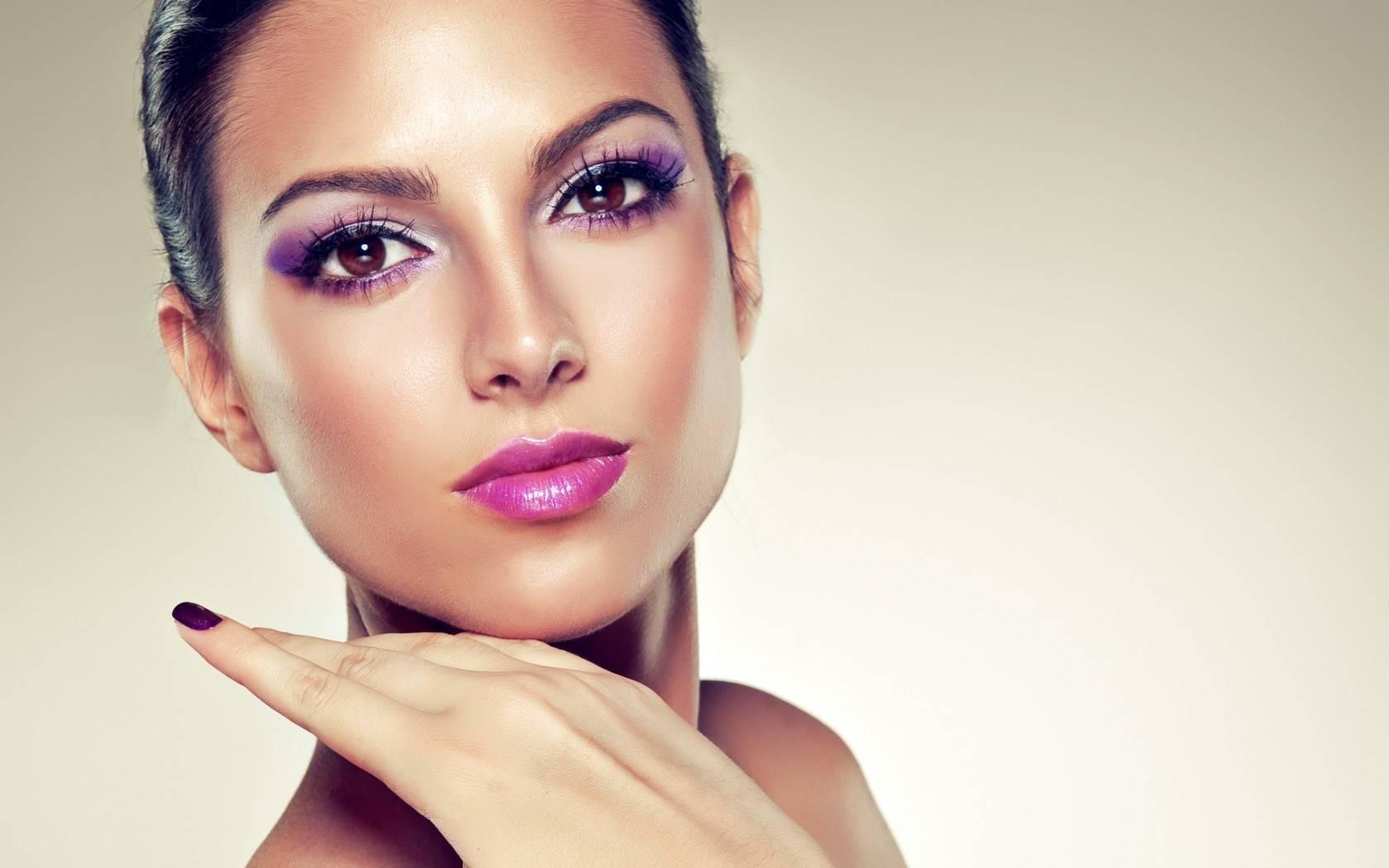 Beautiful Makeup Wallpaper