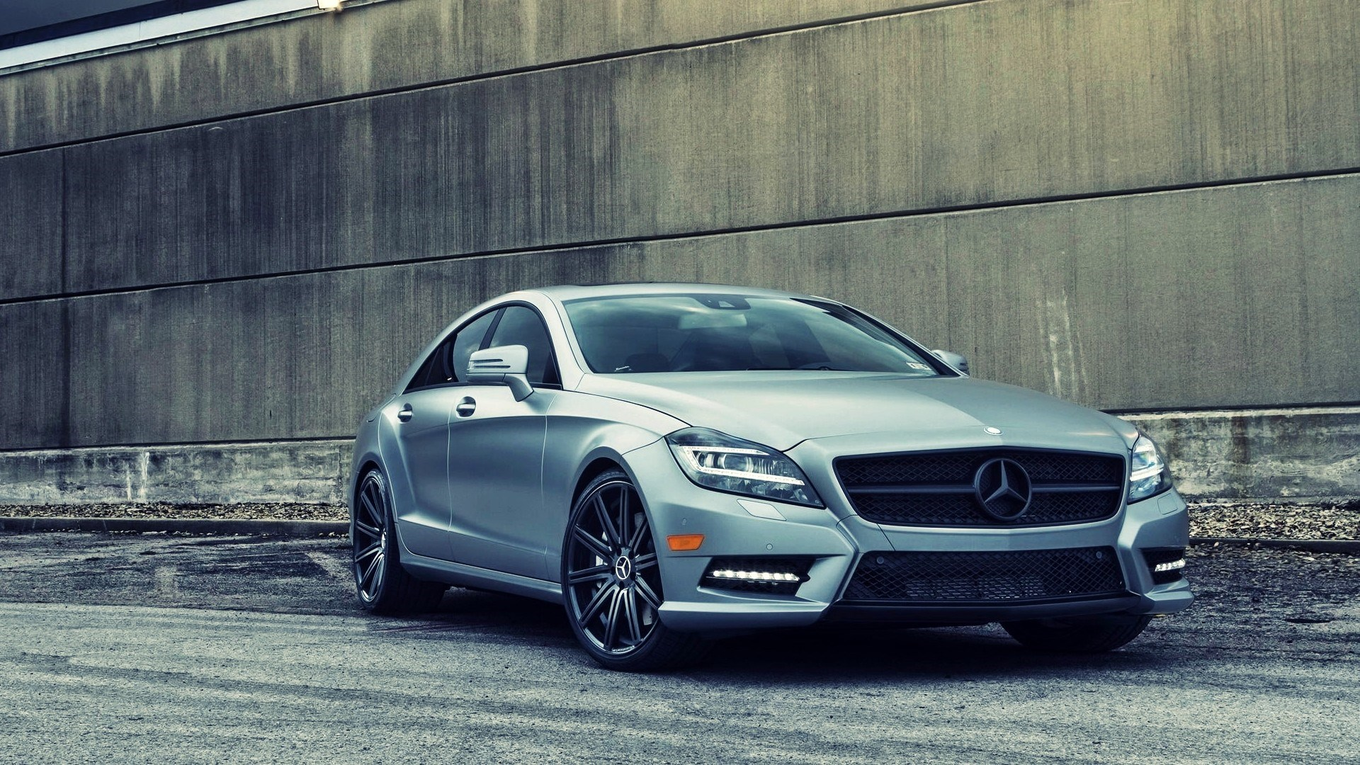 Beautiful Mercedes CLS63 Wallpaper