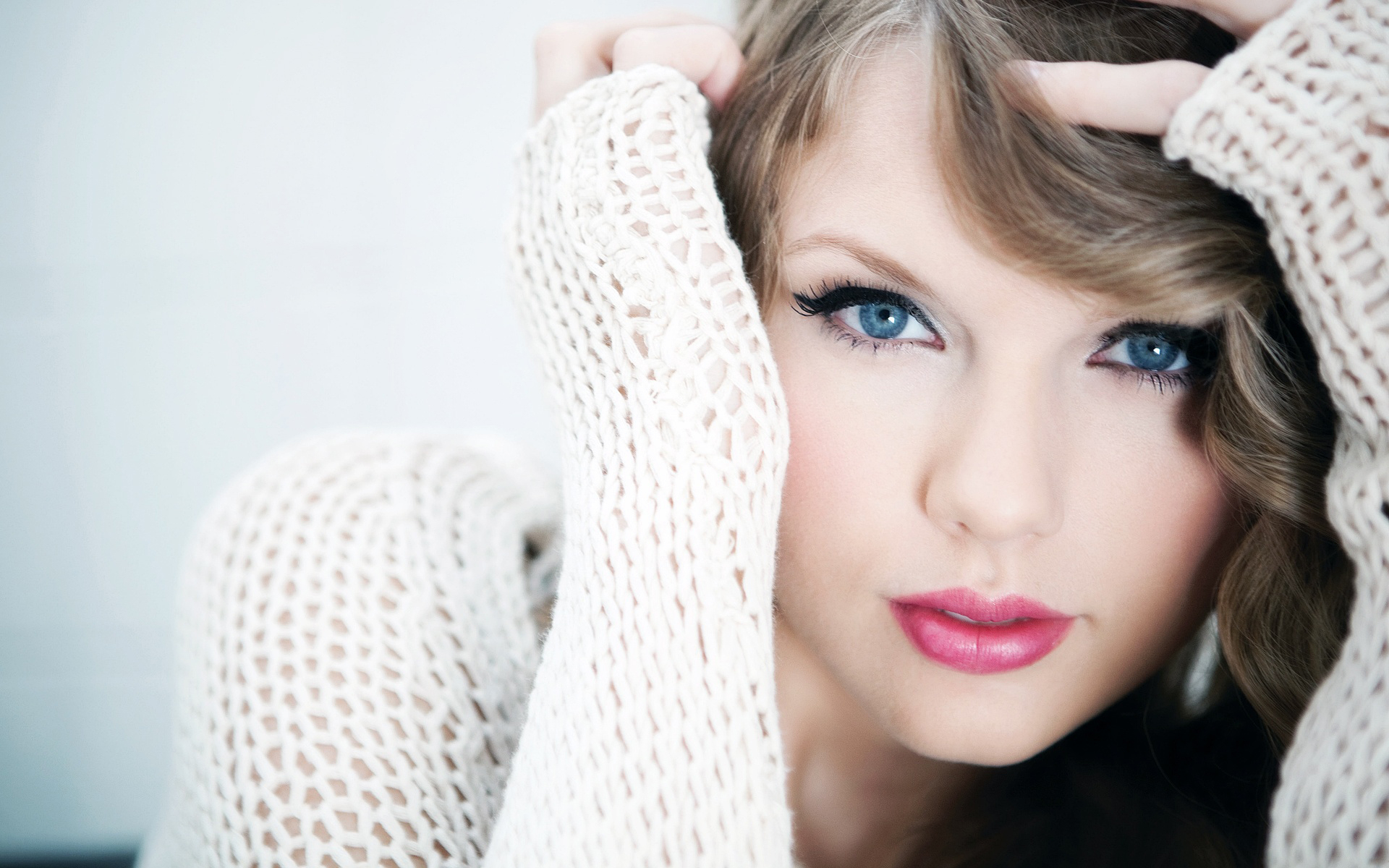 Beautiful Model Wallpaper