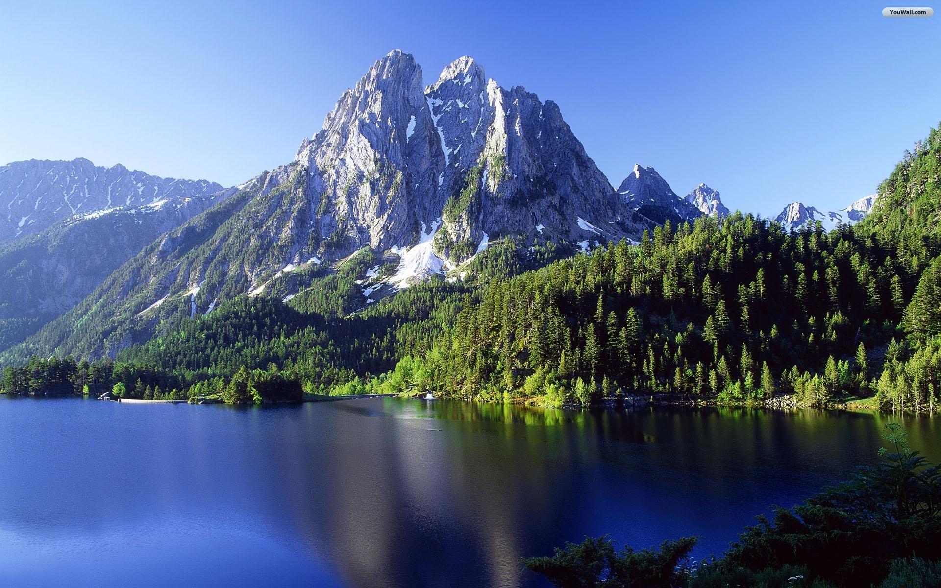 Beautiful Mountainside Wallpaper