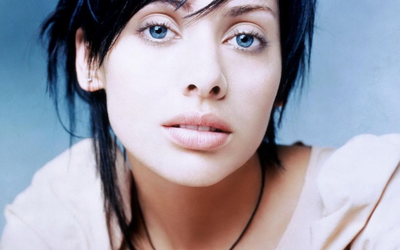 Beautiful Natalie Imbruglia Wallpaper