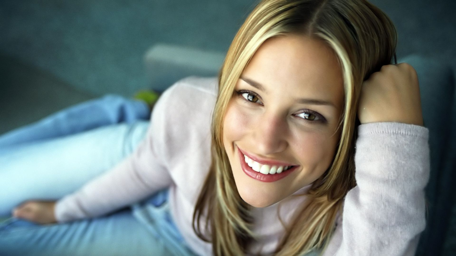 Beautiful Piper Perabo