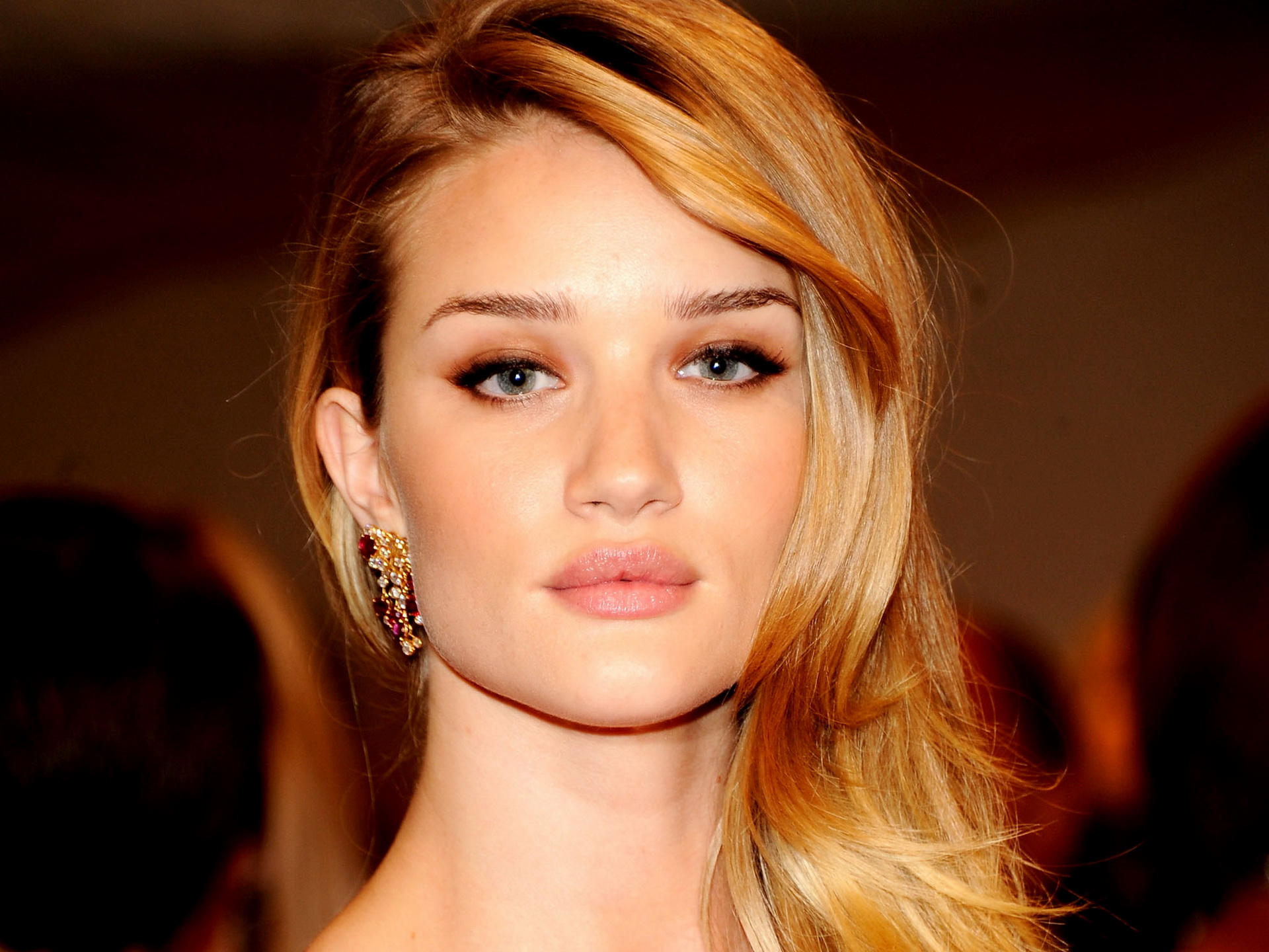 Beautiful Rosie Huntington