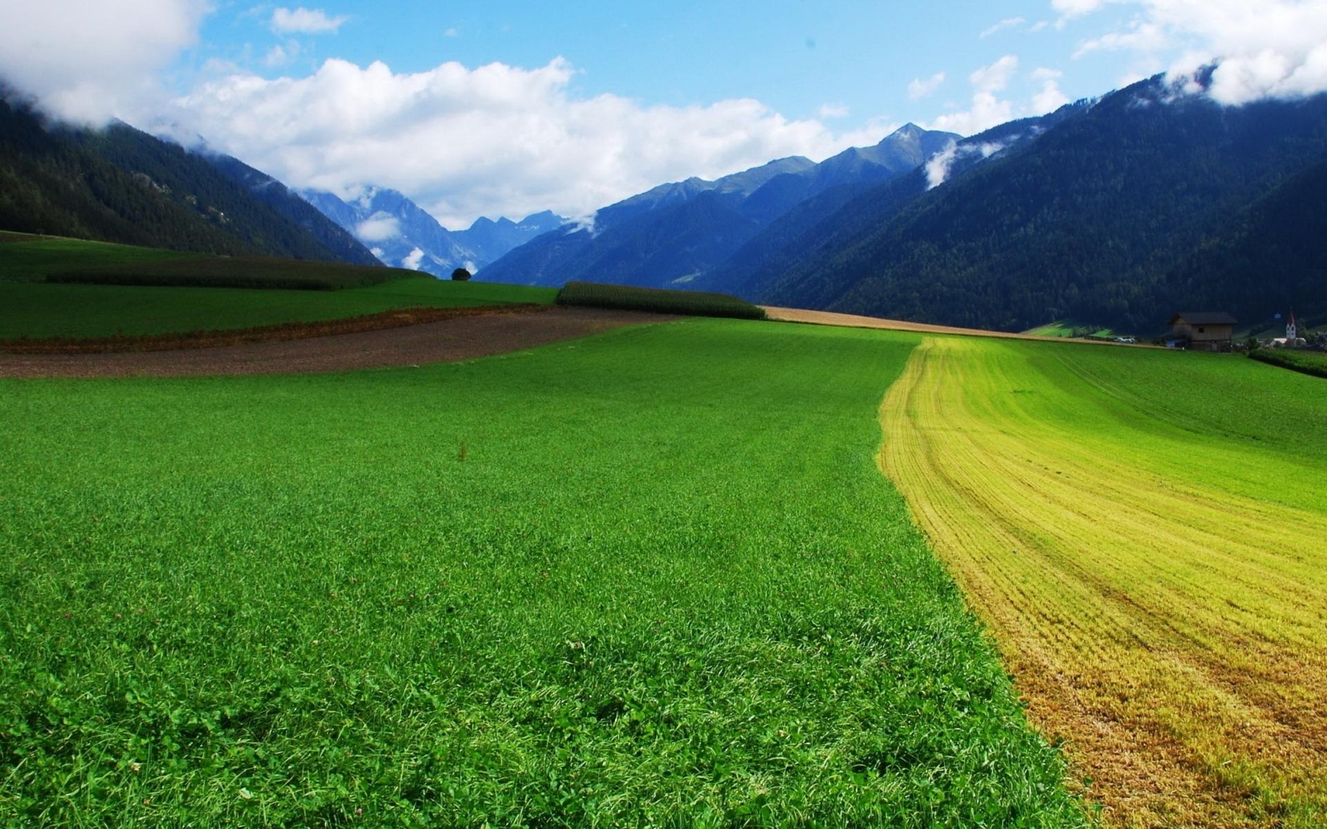 Beautiful Rural Valley wallpaper