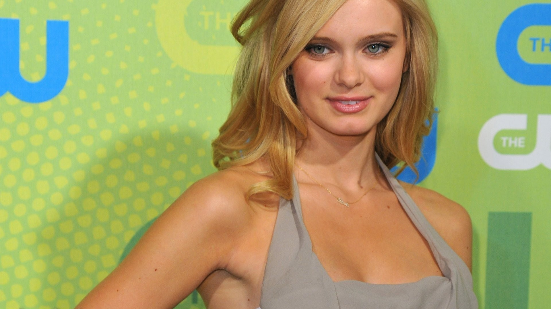 Beautiful Sara Paxton