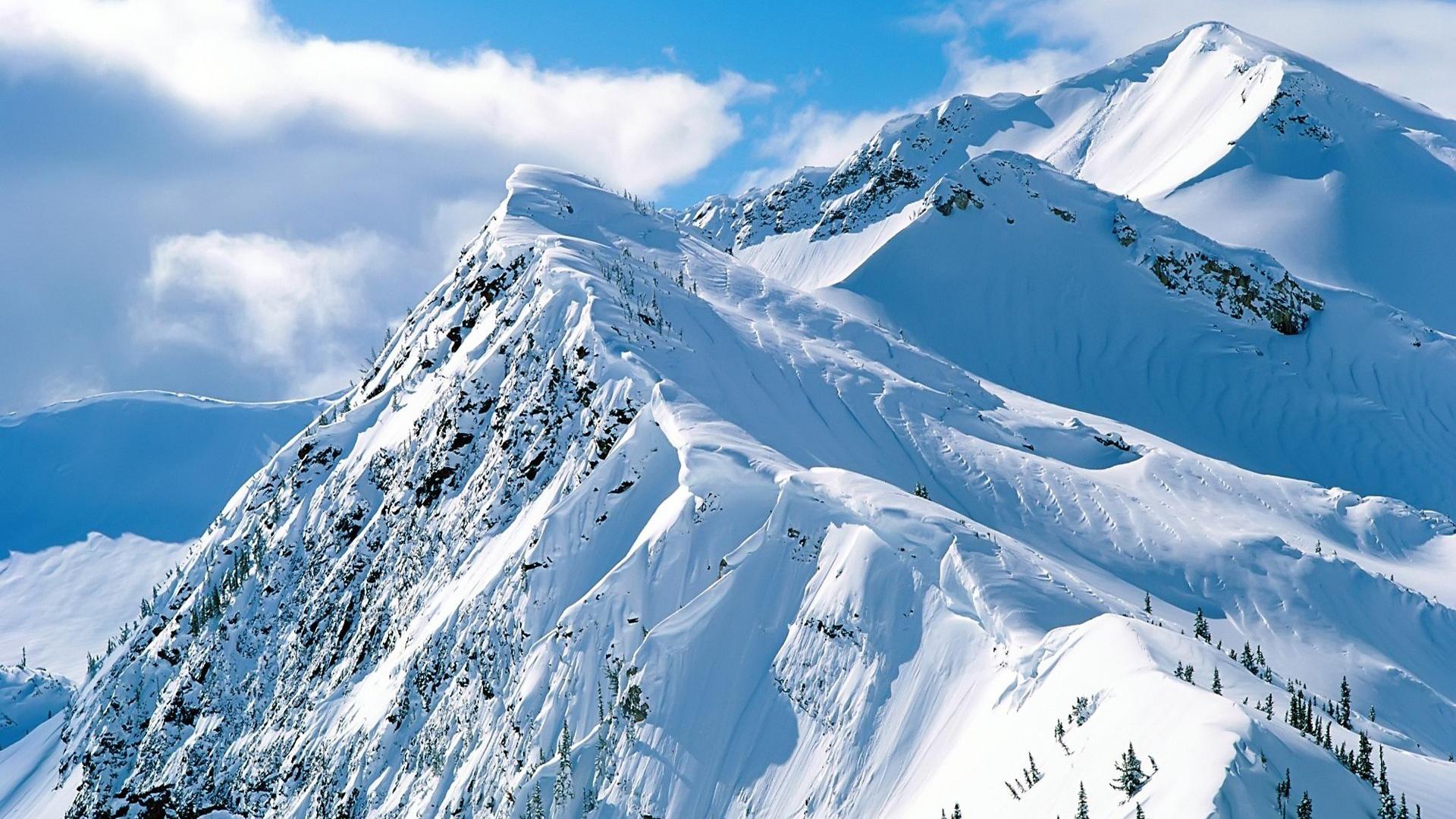 Beautiful Snowy Mountain Wallpaper