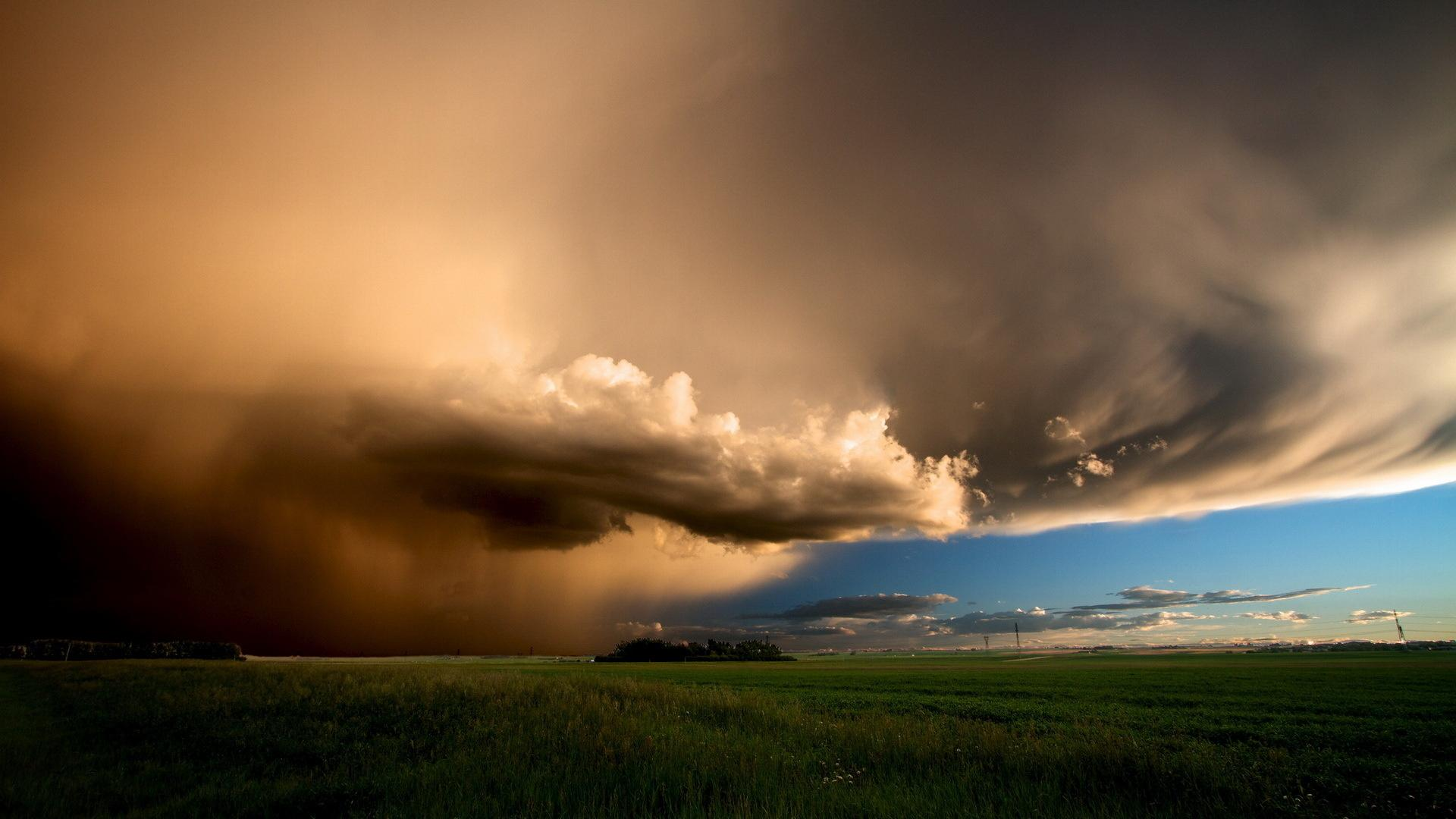Beautiful Storm Clouds Wallpaper