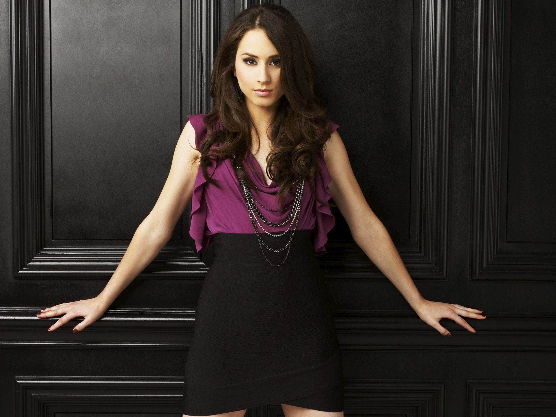 Beautiful Troian Bellisario