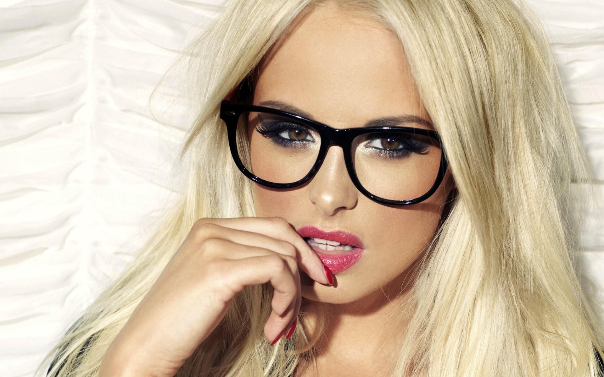 Beauty Woman Blonde Glasses Fashion