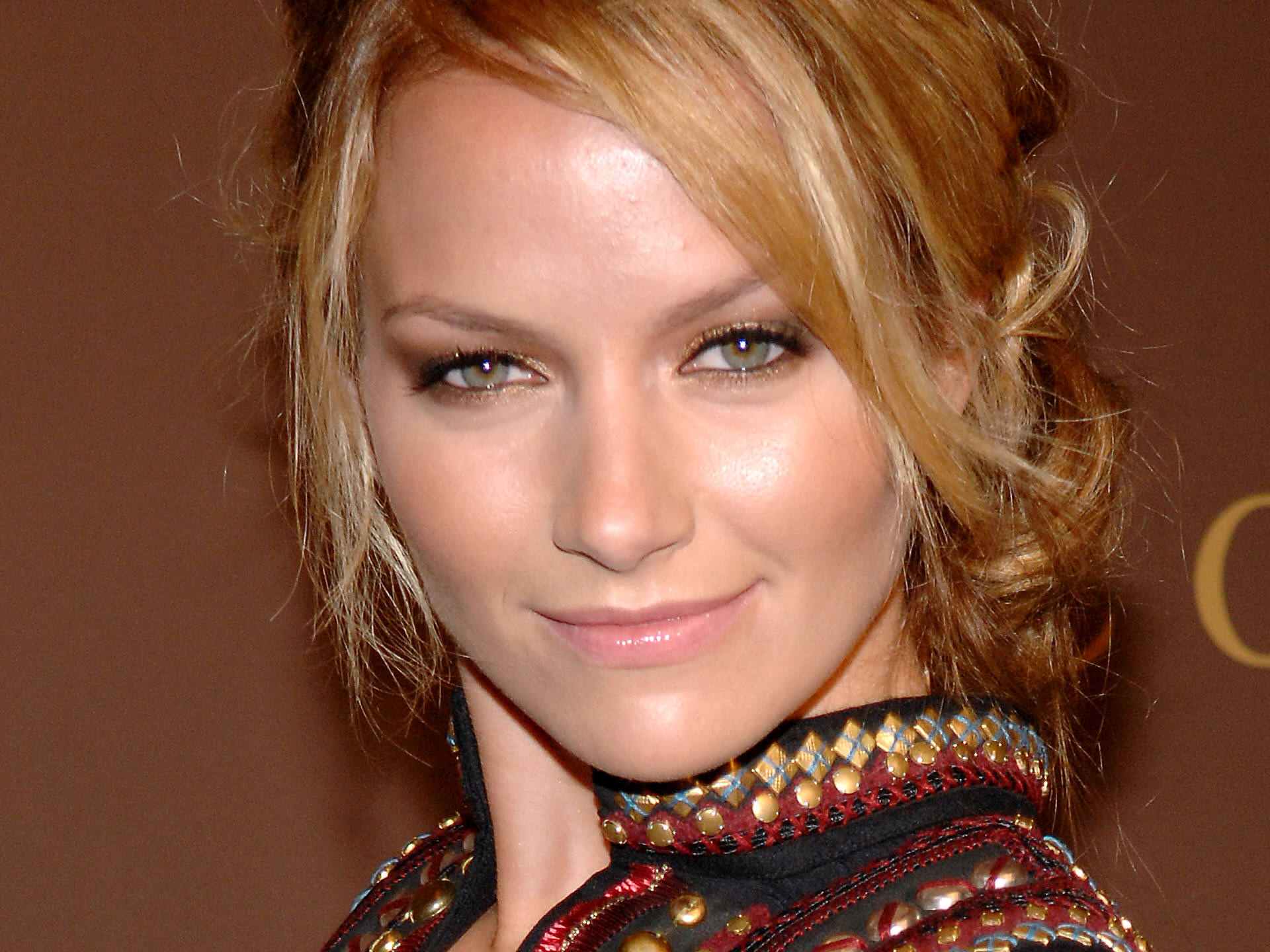 Becki Newton Wallpapers7
