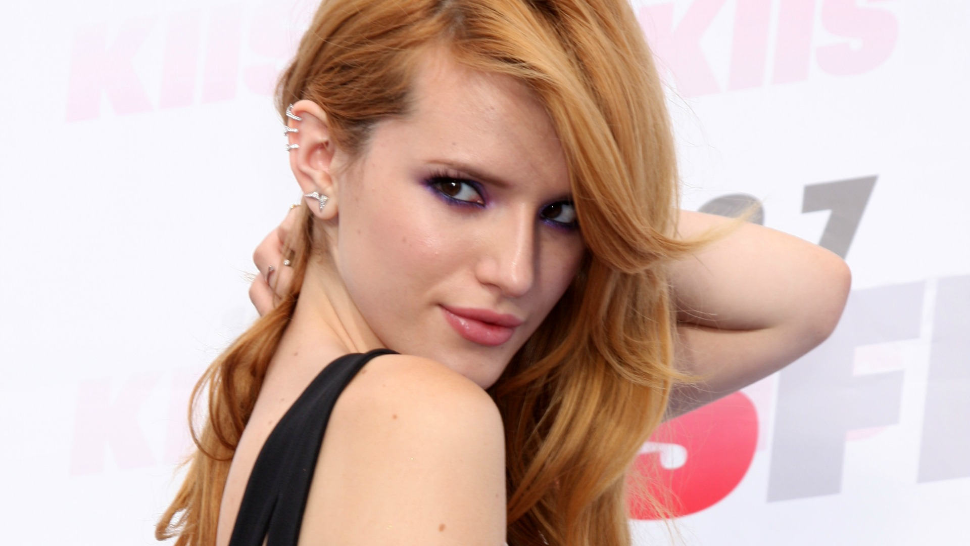 Bella Thorne made her boyfriend wait six weeks before kissing her