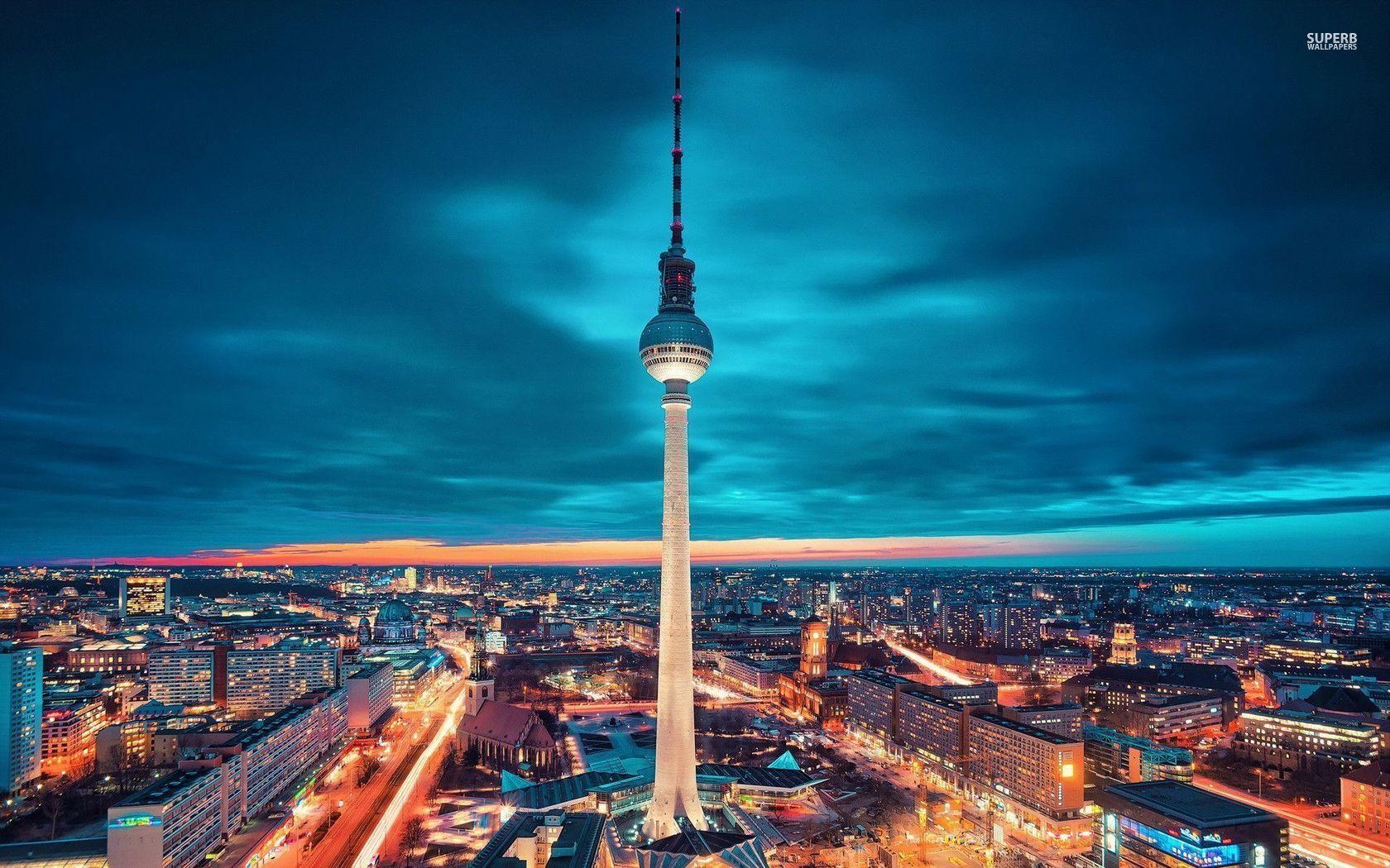 Fernsehturm Berlin wallpaper 1680x1050