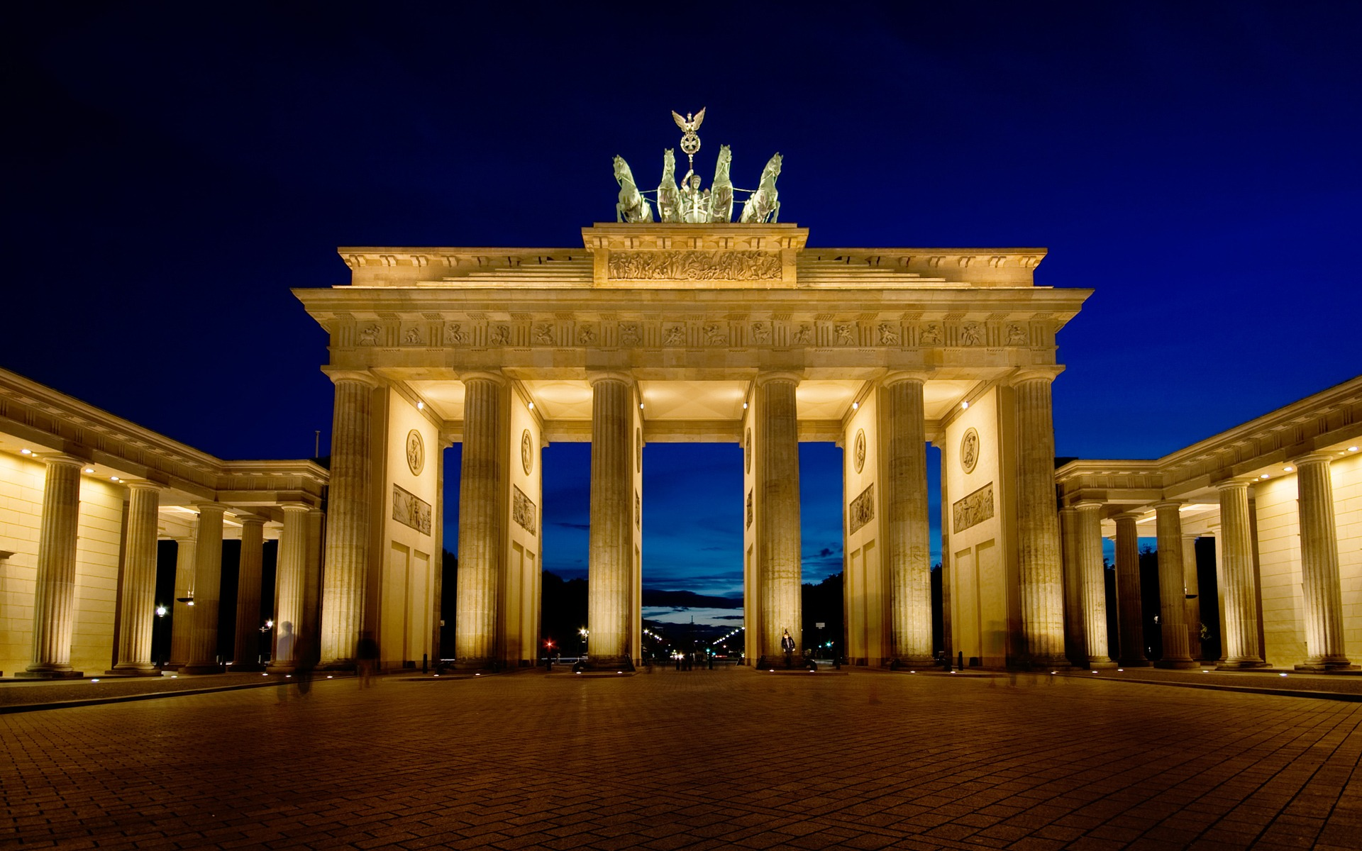 Brenburg Gate Berlin HD wallpapers
