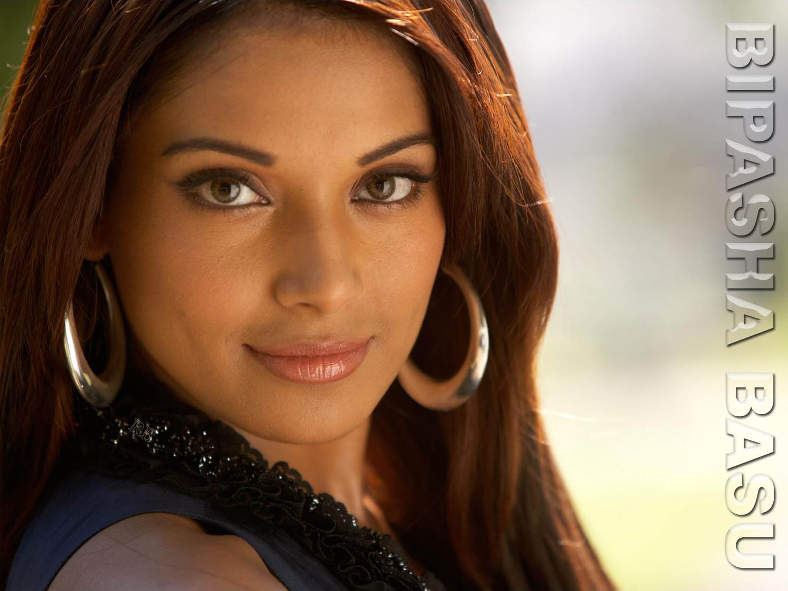 ... Bipasha Basu Wallpaper ...