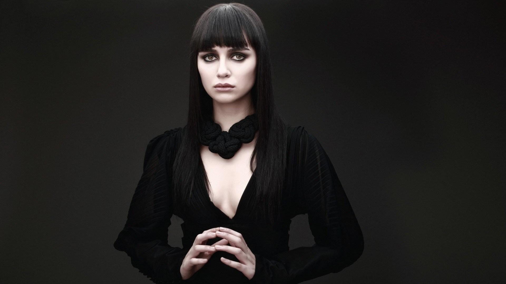 Birce Akalay Brunette Girl Actress