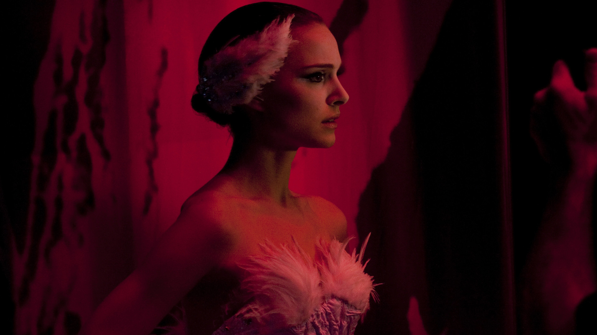 Black Swan is a true masterpiece which really impressed me. Despite the fact that it seems to be about ballet, the focus really is on the people and their ...