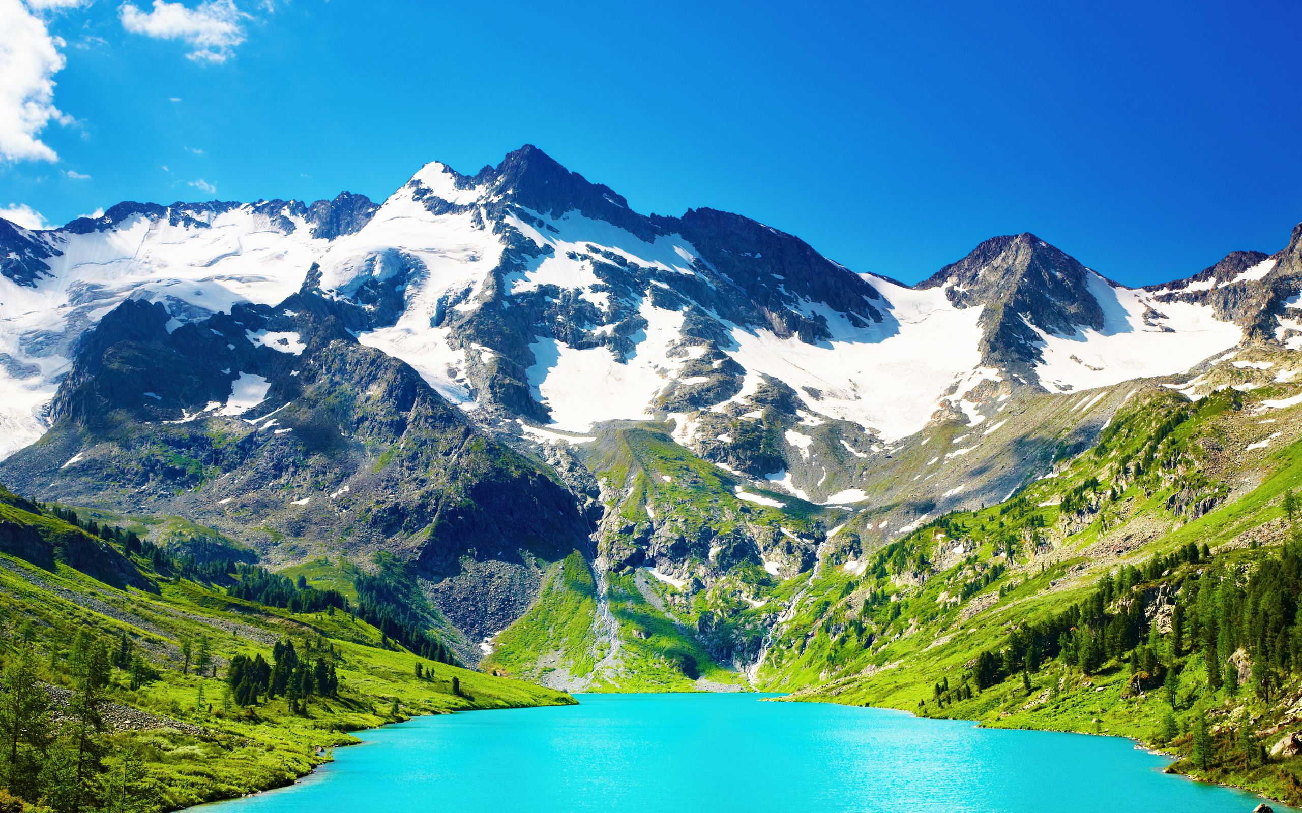 Blue lake mountains scenery