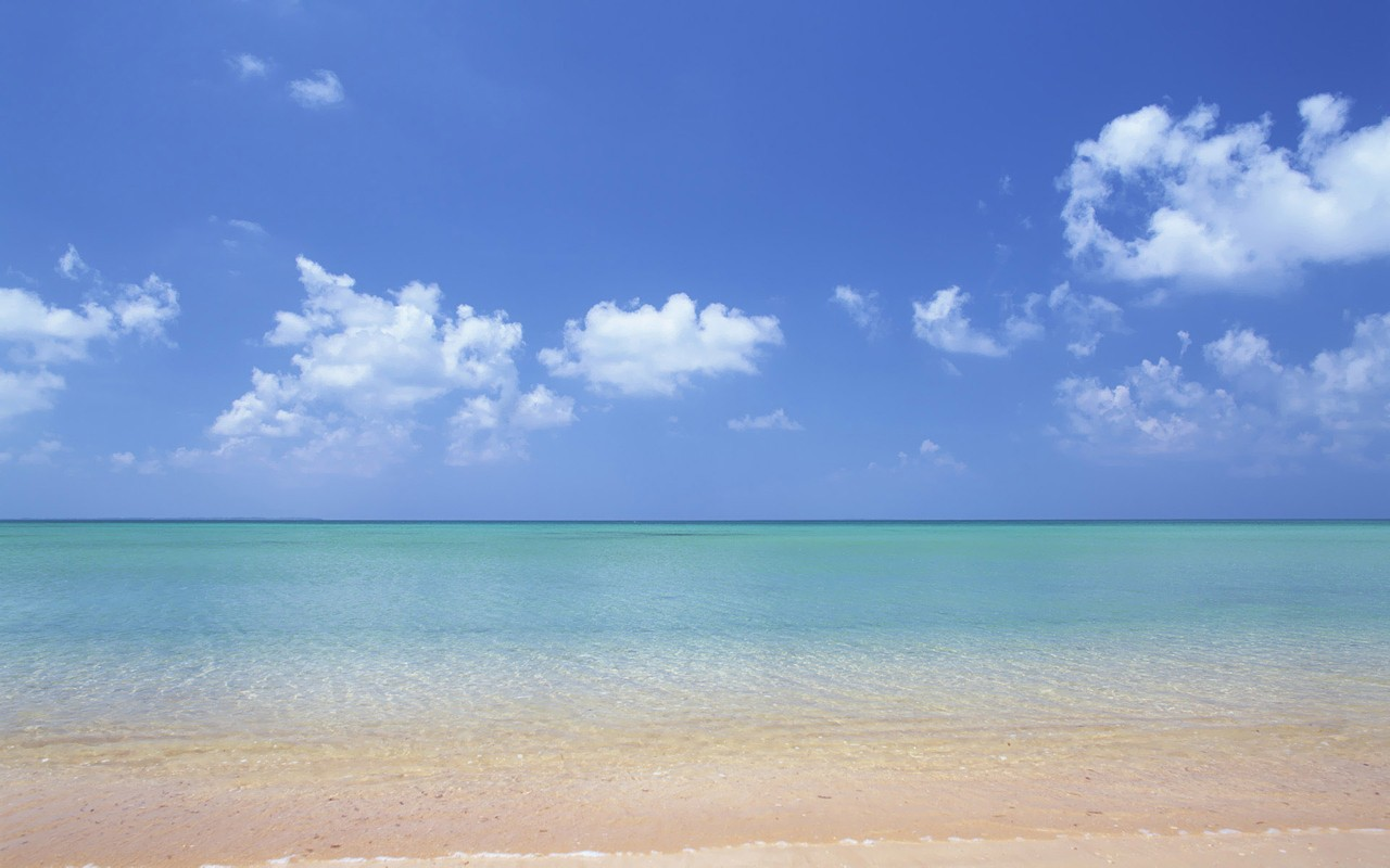 Hawaii Beach Wallpaper, Print, Poster, Hawaii's Aquamarine Sea and blue Sky Wallpapers