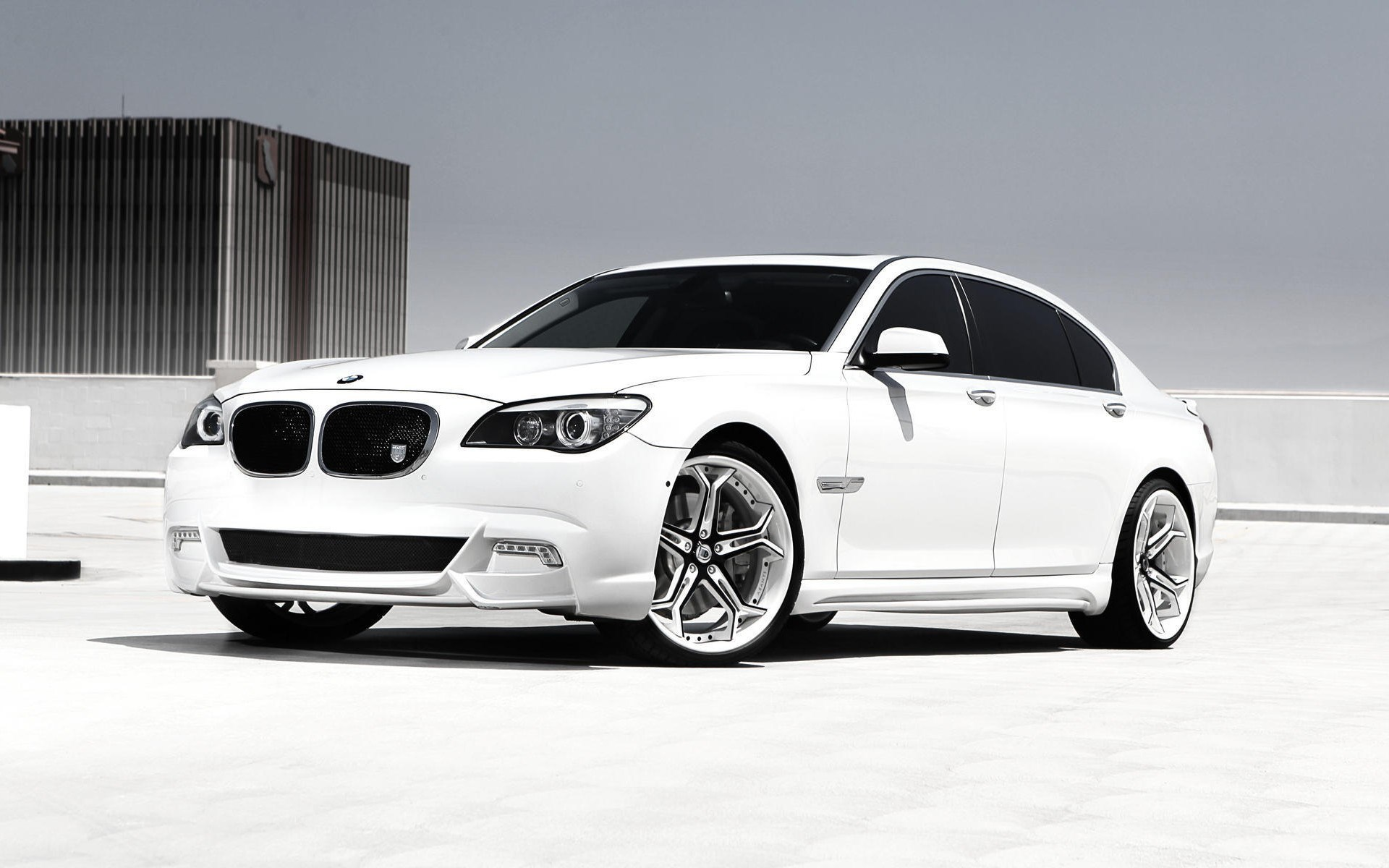BMW 750Li White Car