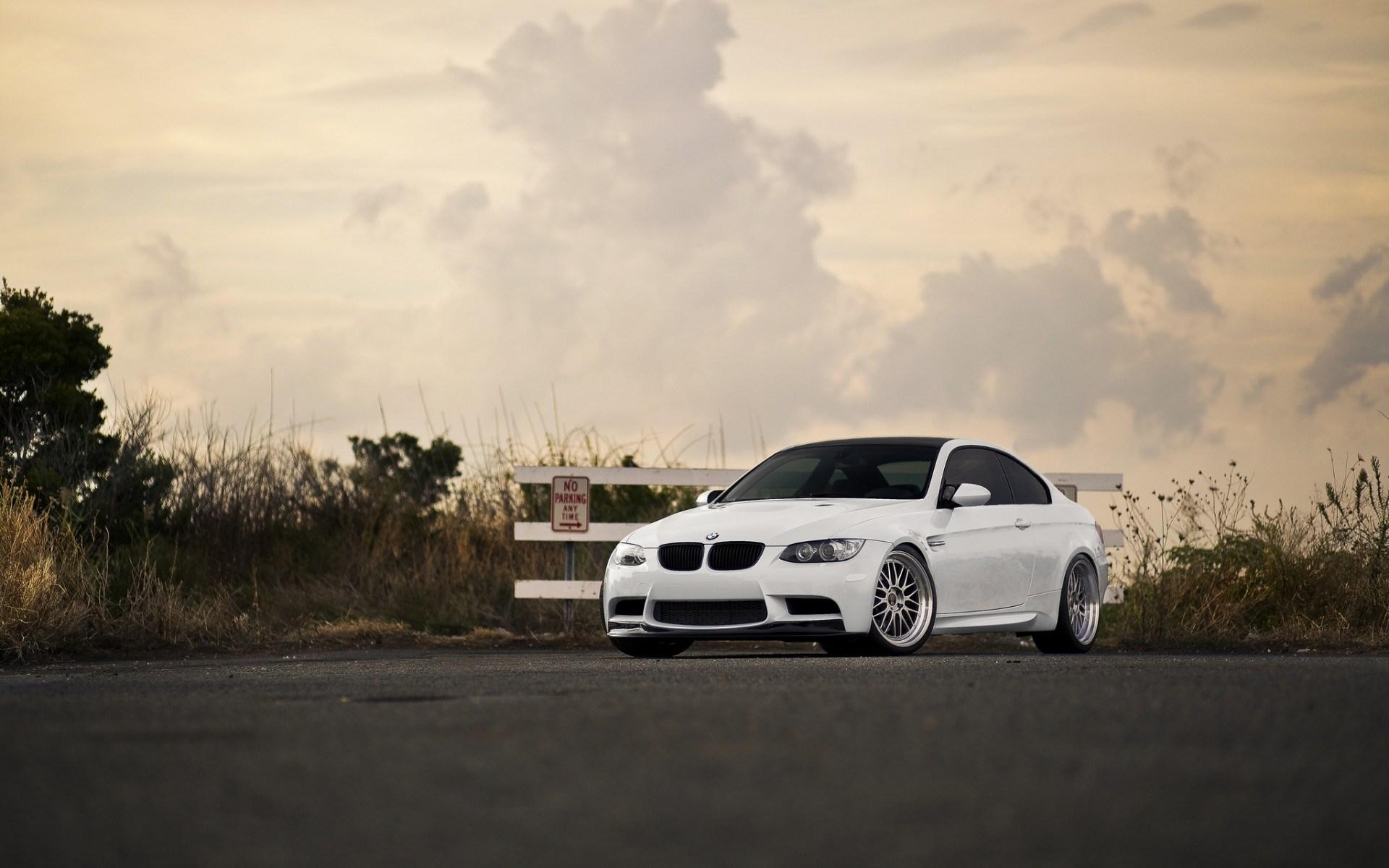 White BMW M3 E92 Car