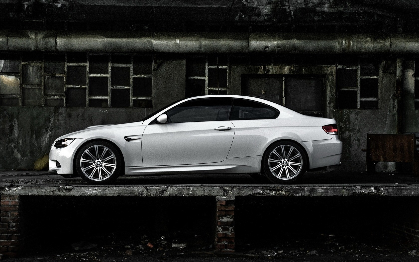 White BMW M3 E92 Coupe