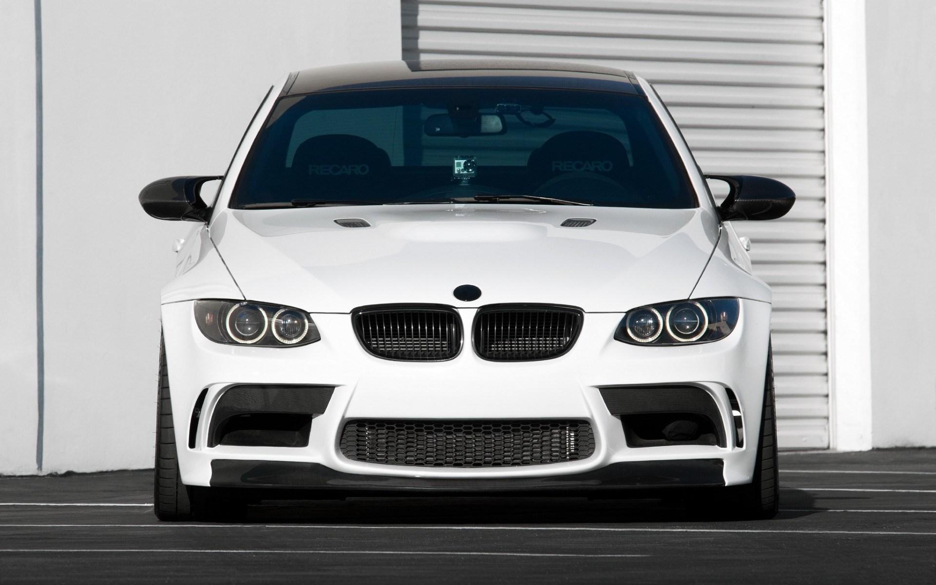 BMW M3 E92 White Front