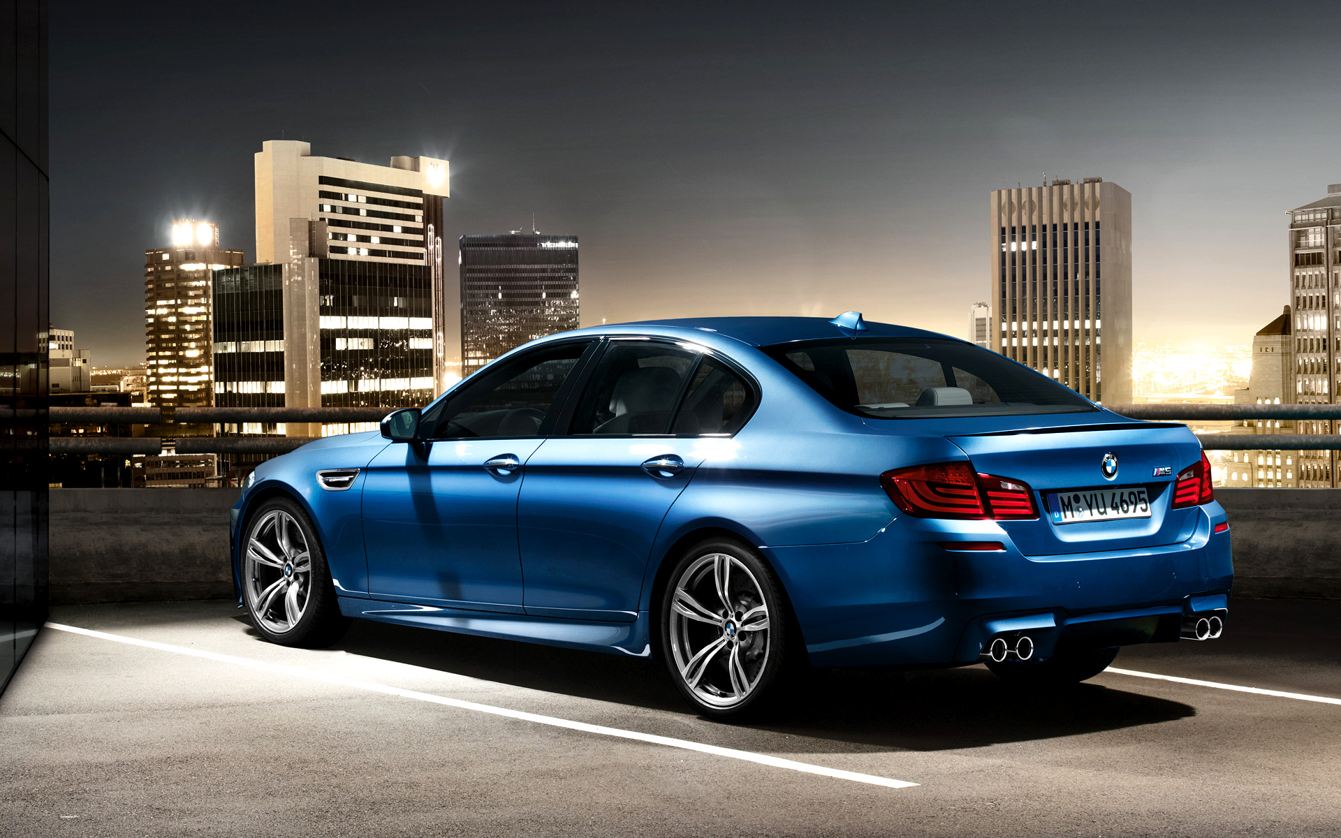 2012 bmw m5 wallpaper 15 655x409 Official Videos: 2012 BMW M5